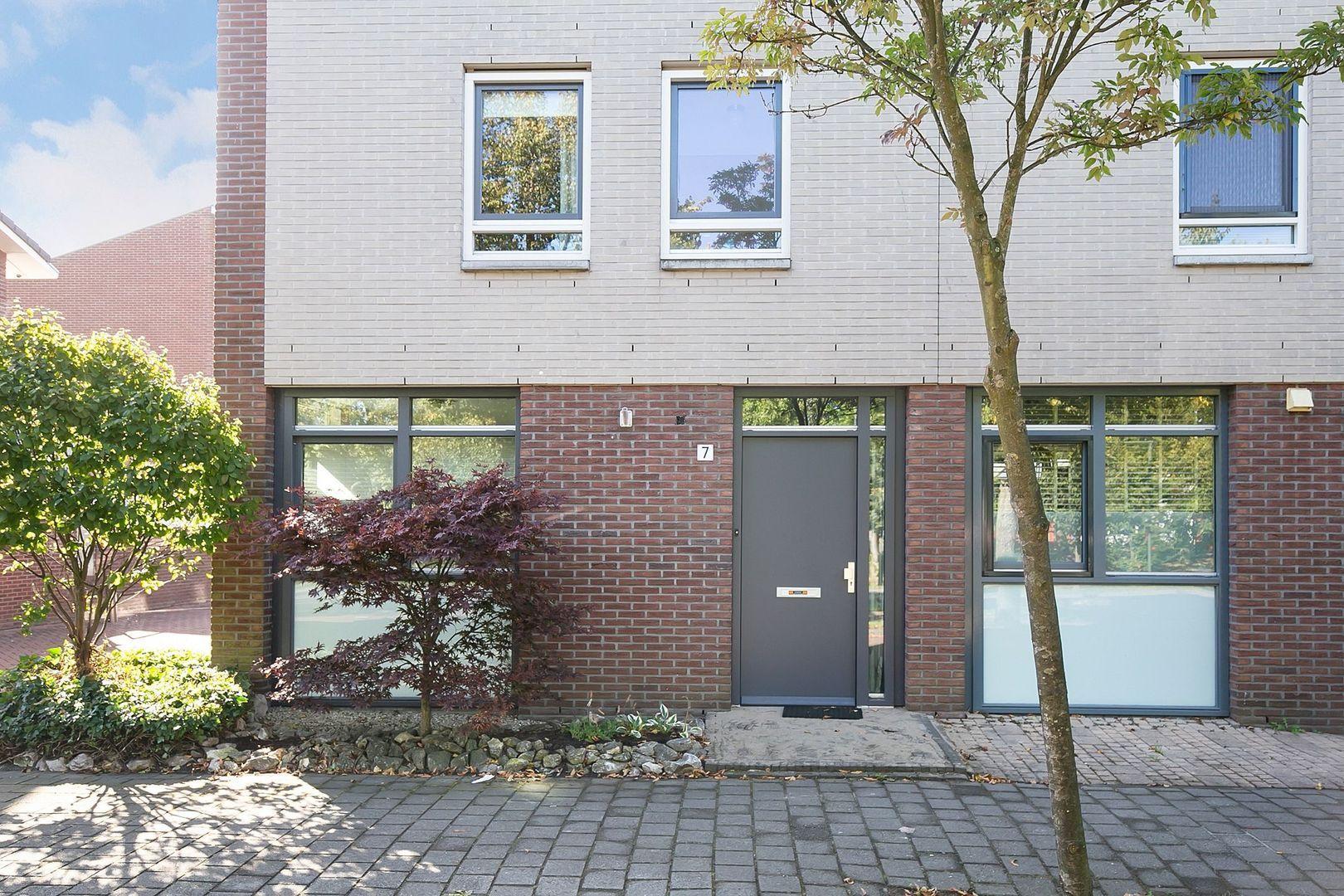 Ko Suurhofflaan 7, Schiedam foto-3 blur
