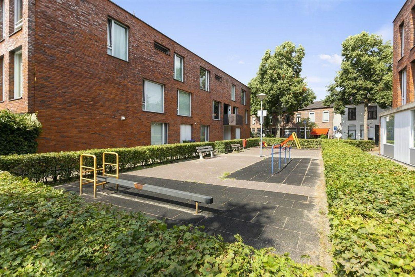 Buys Ballotstraat 21, Hilversum foto-3 blur