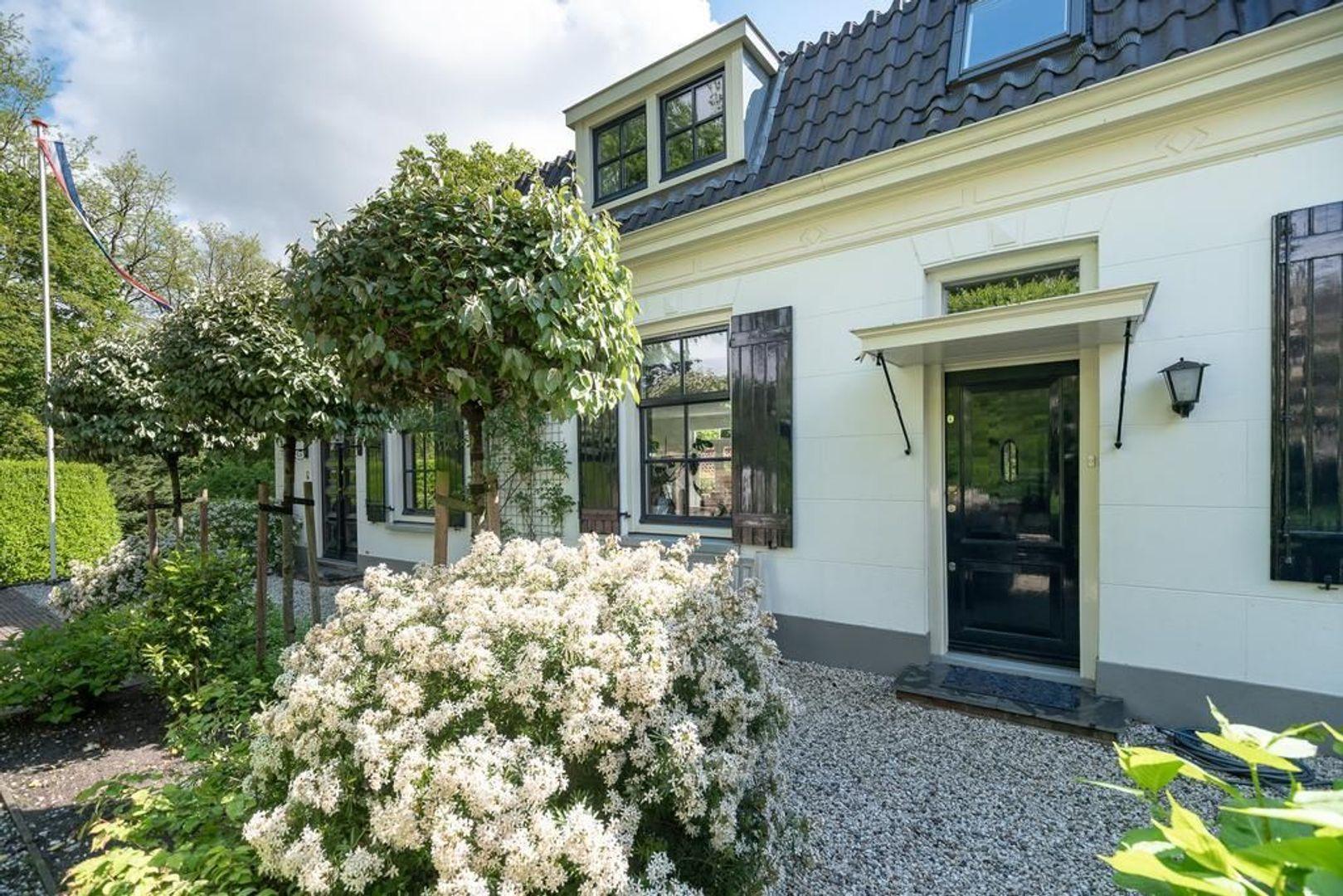 Hoge Naarderweg 84, Hilversum foto-22 blur