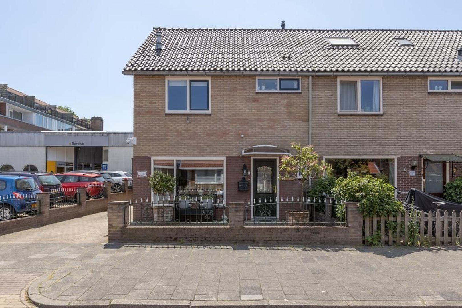 Piet Heinstraat 1, Hilversum foto-18 blur