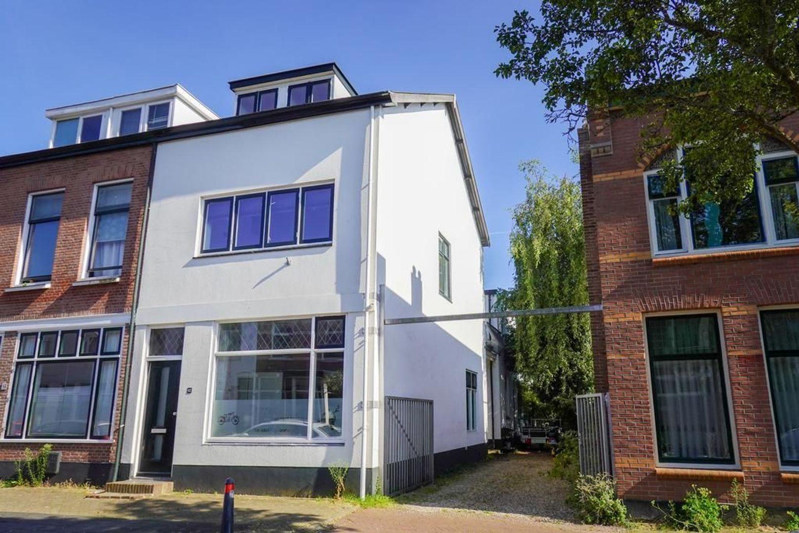 Geuzenweg 62, Hilversum foto-0 blur