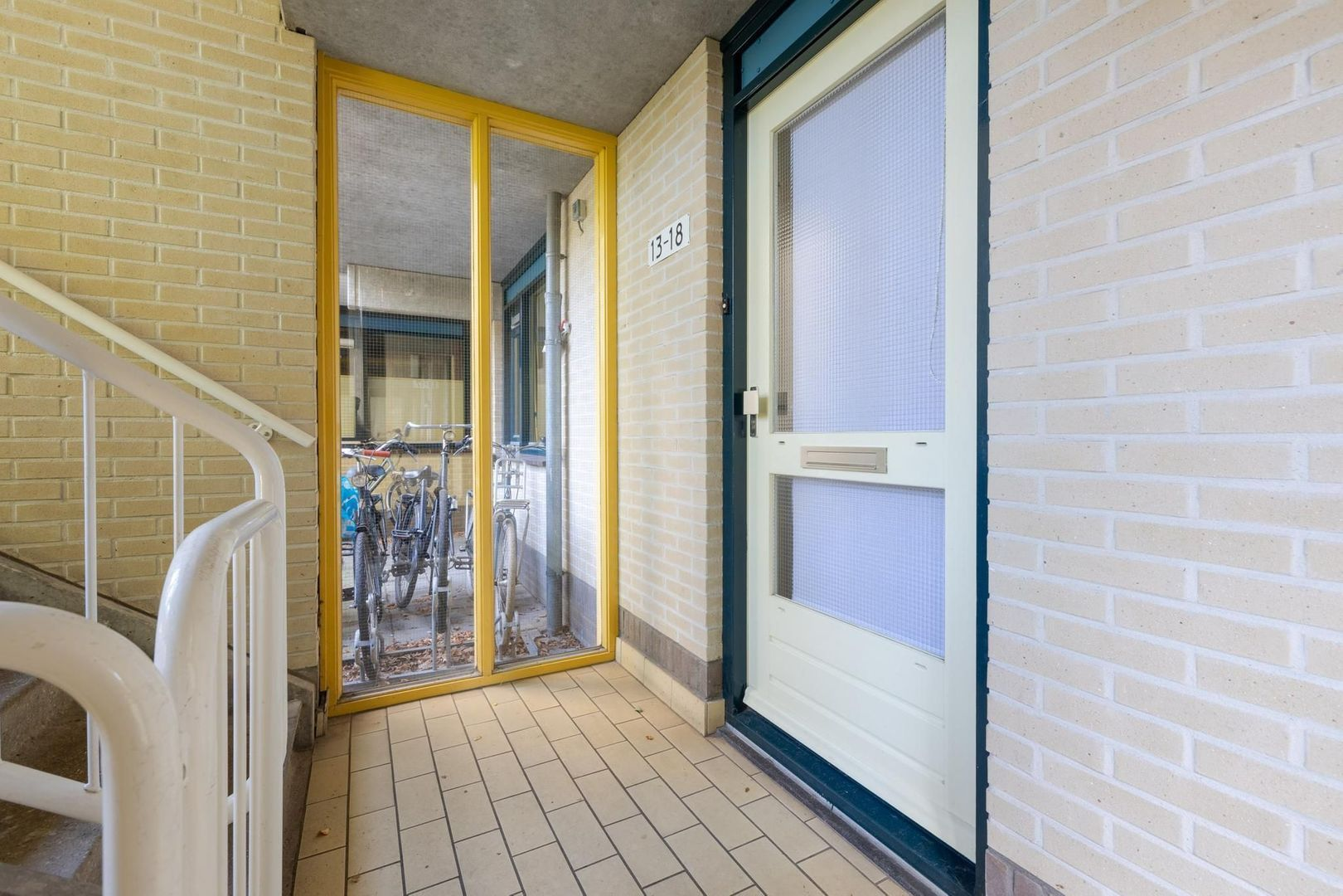 Utrechtseweg 13 18, Hilversum foto-2 blur