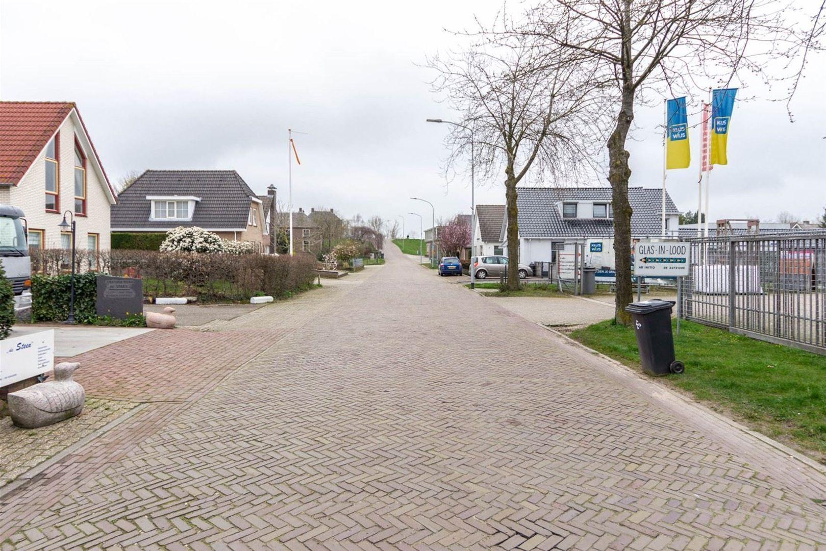Korte Brouwersstraat 13, Beneden-Leeuwen foto-25 blur