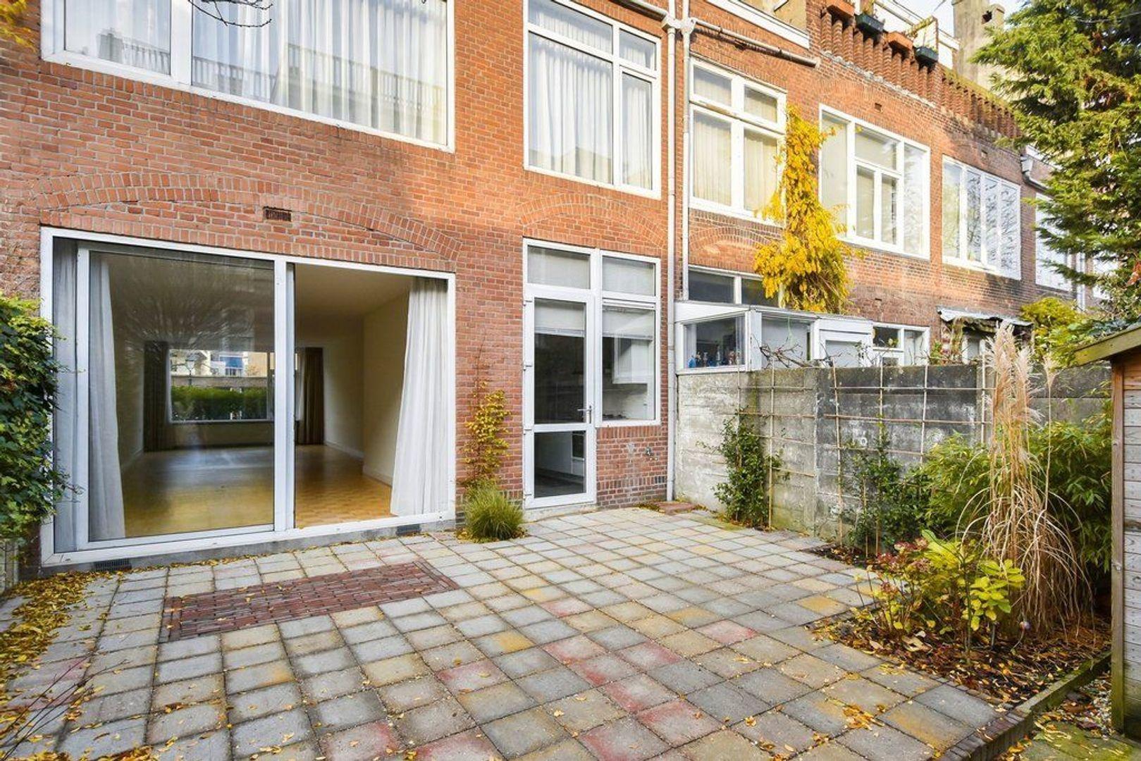 Van Aerssenstraat, Den Haag foto-10 blur
