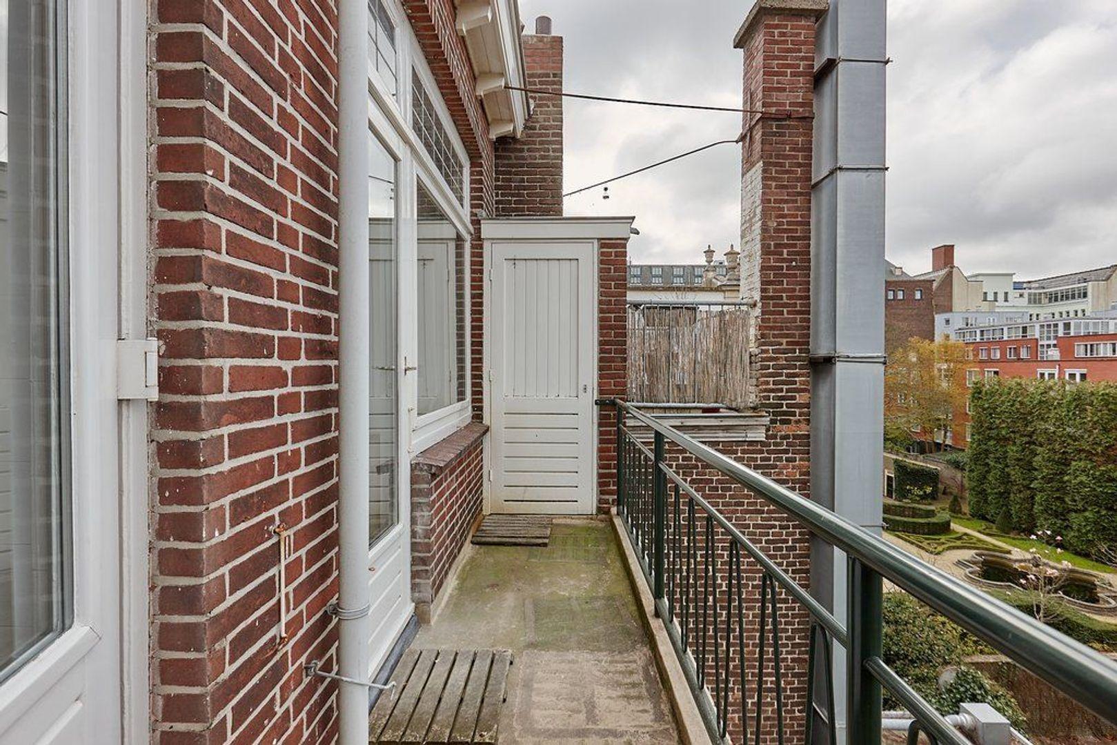 Zeestraat, Den Haag foto-13 blur
