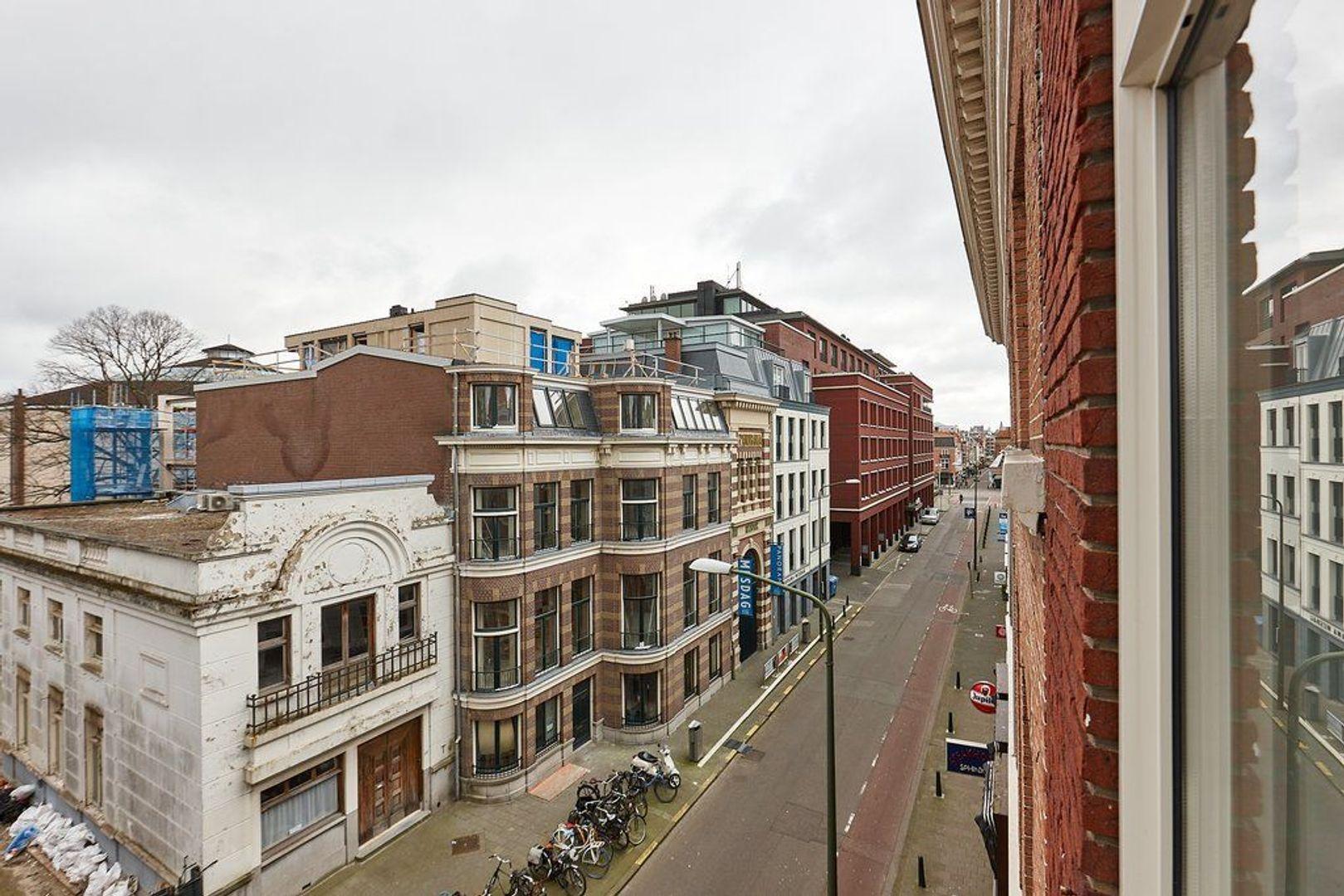 Zeestraat, Den Haag foto-17 blur