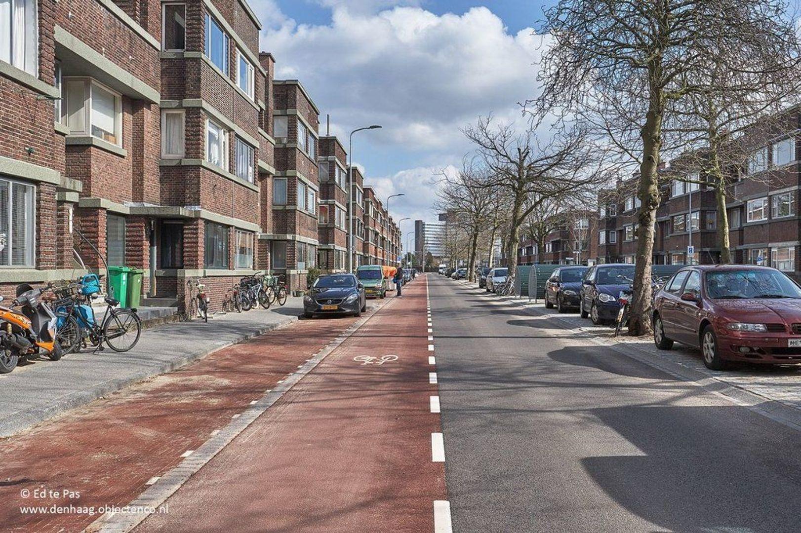Juliana van Stolberglaan, Den Haag foto-21 blur