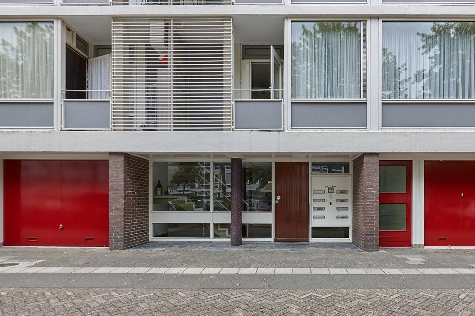 Schout Van Eijklaan, Leidschendam foto-24 blur