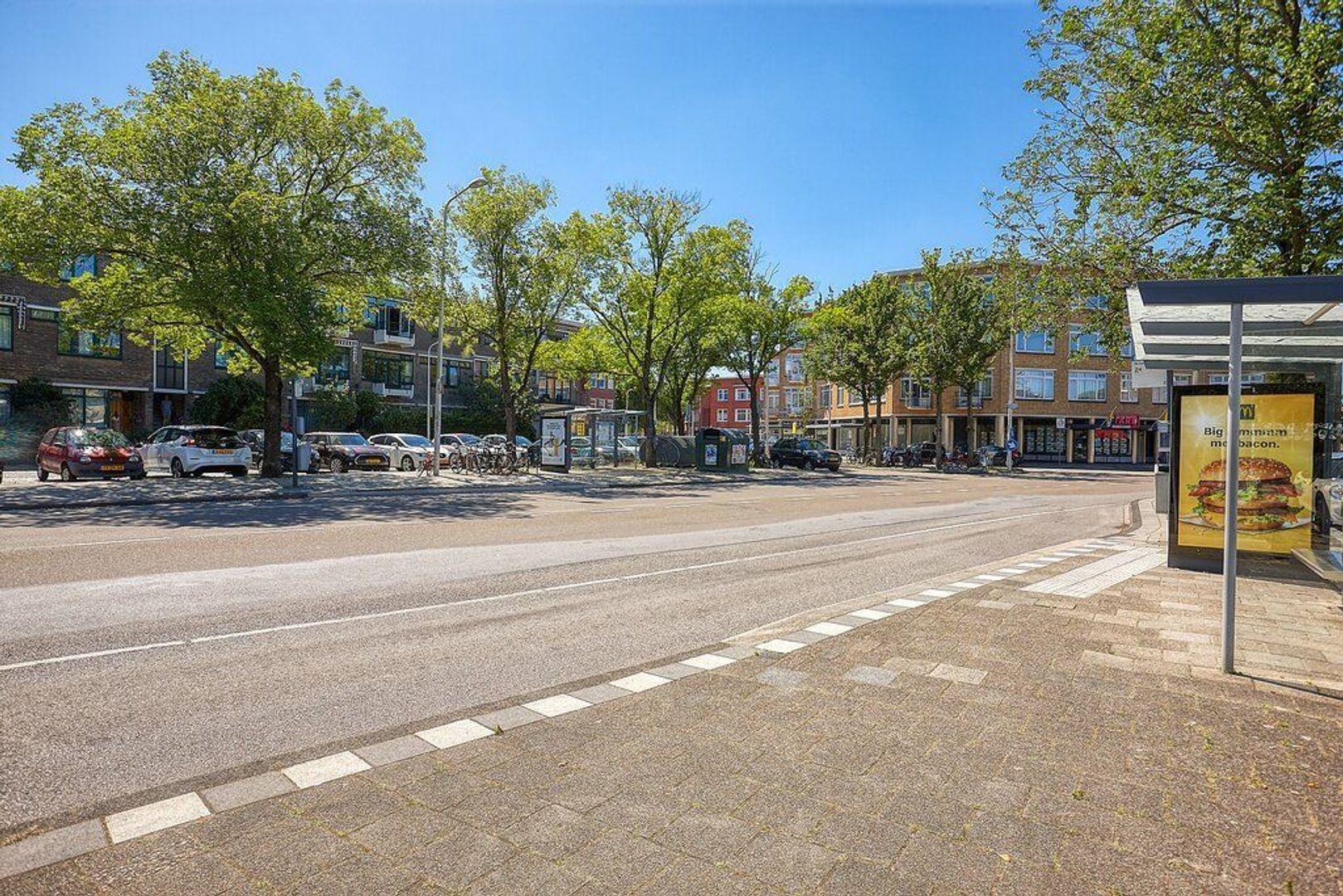 De Eerensplein, Den Haag foto-32 blur