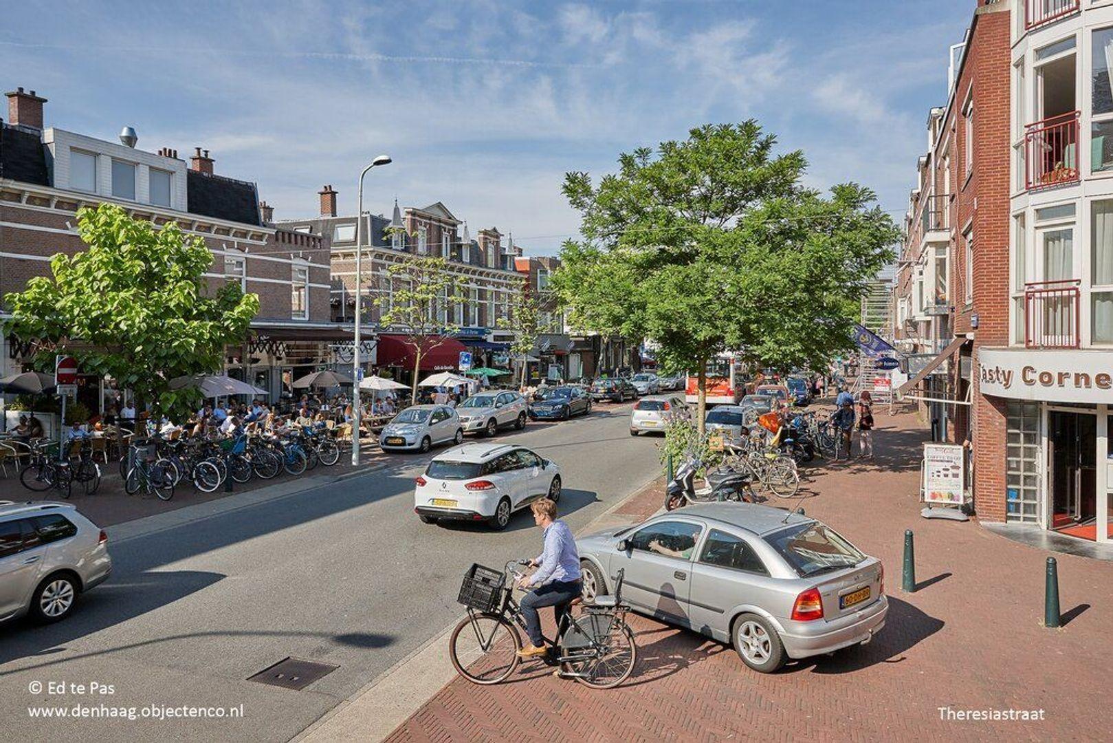 De Eerensplein, Den Haag foto-34 blur