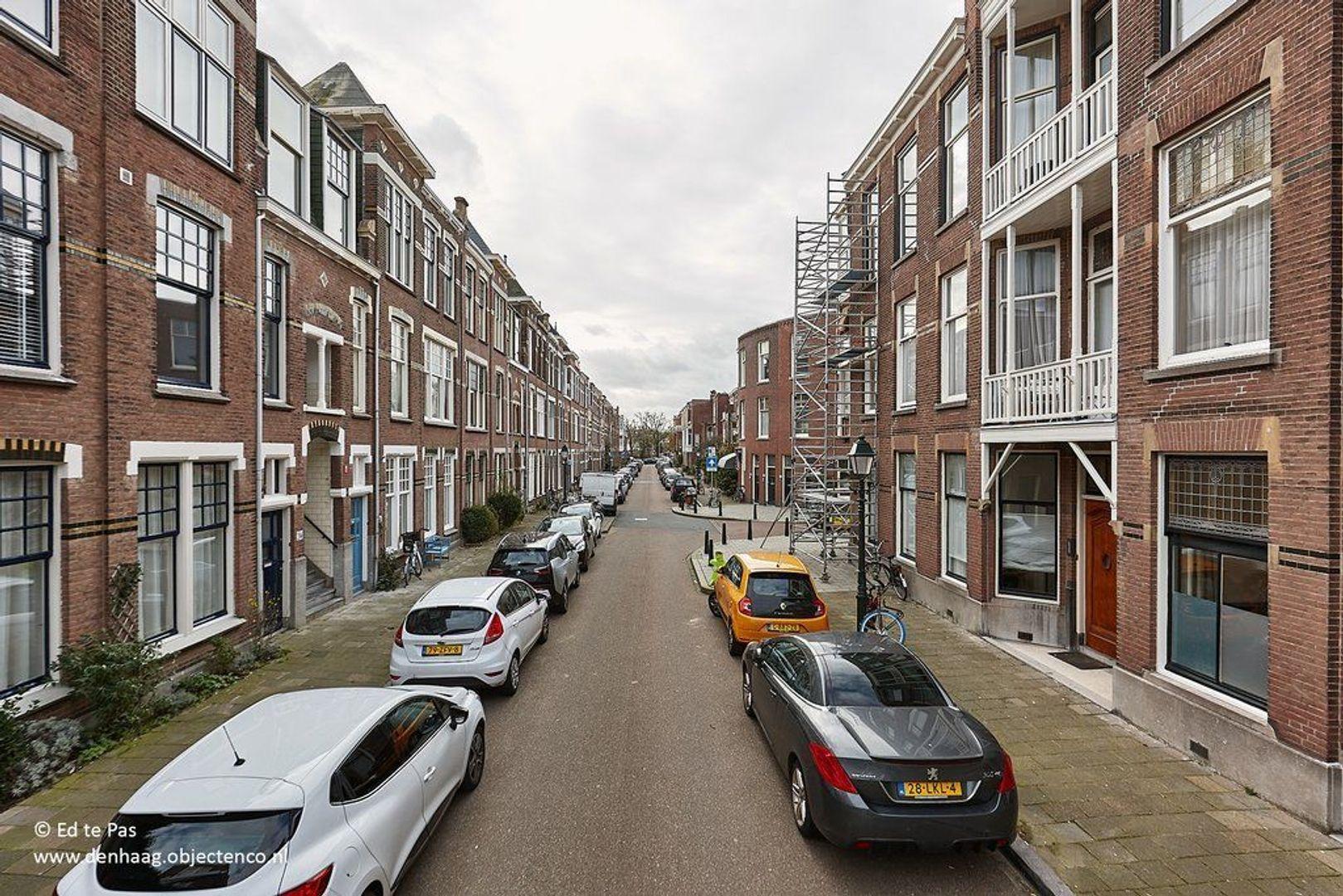 Van Aerssenstraat, Den Haag foto-29 blur
