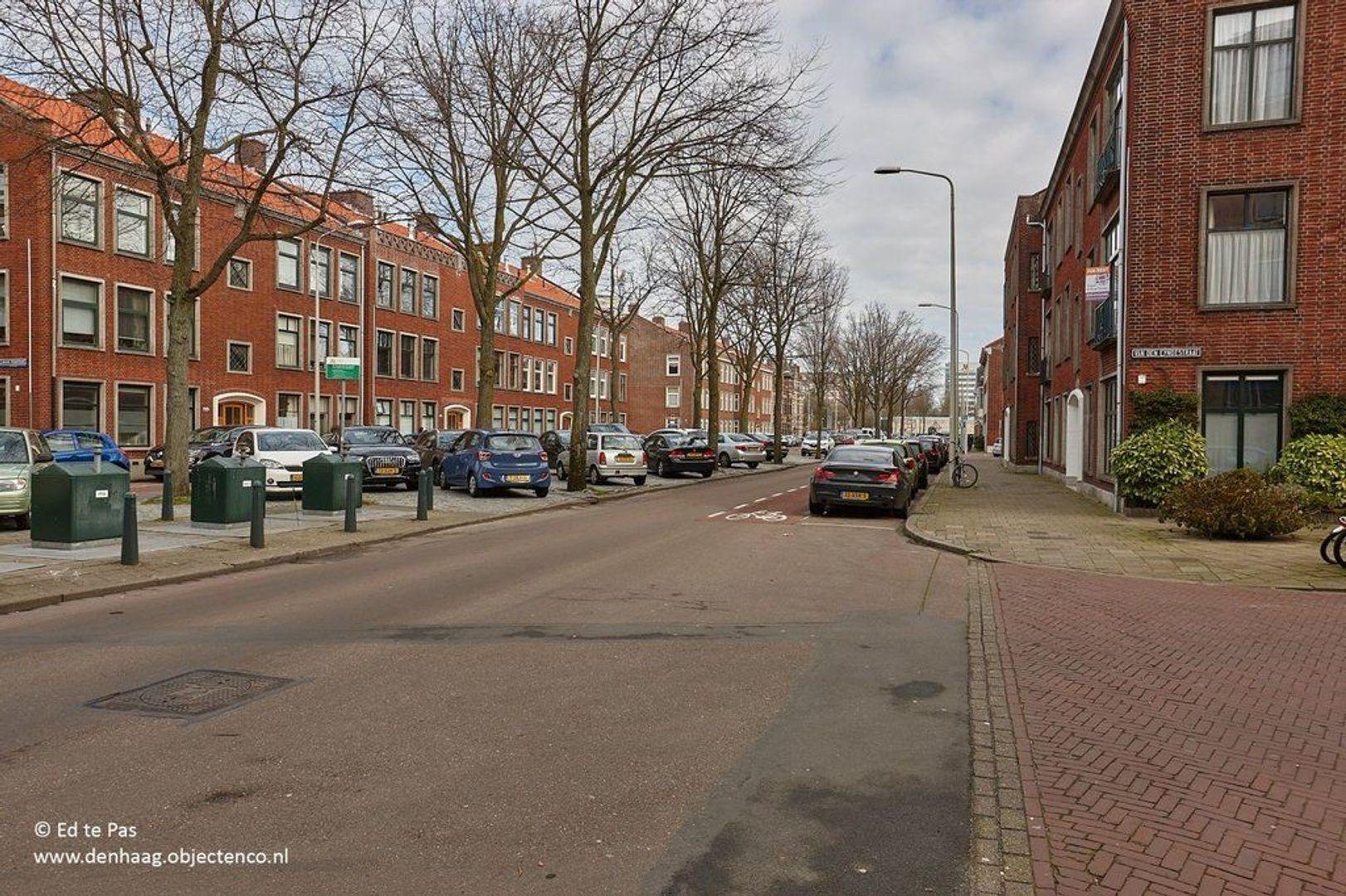 Willem de Zwijgerlaan, Den Haag foto-25 blur