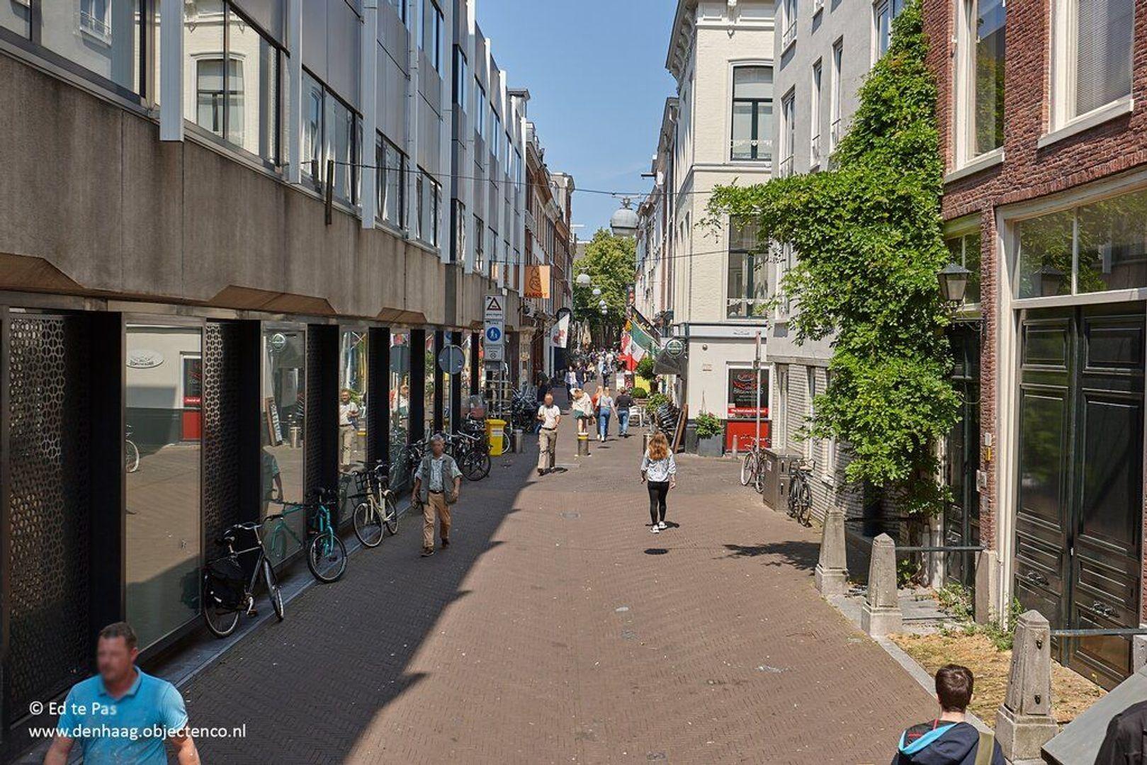 Korte Houtstraat, Den Haag foto-23 blur