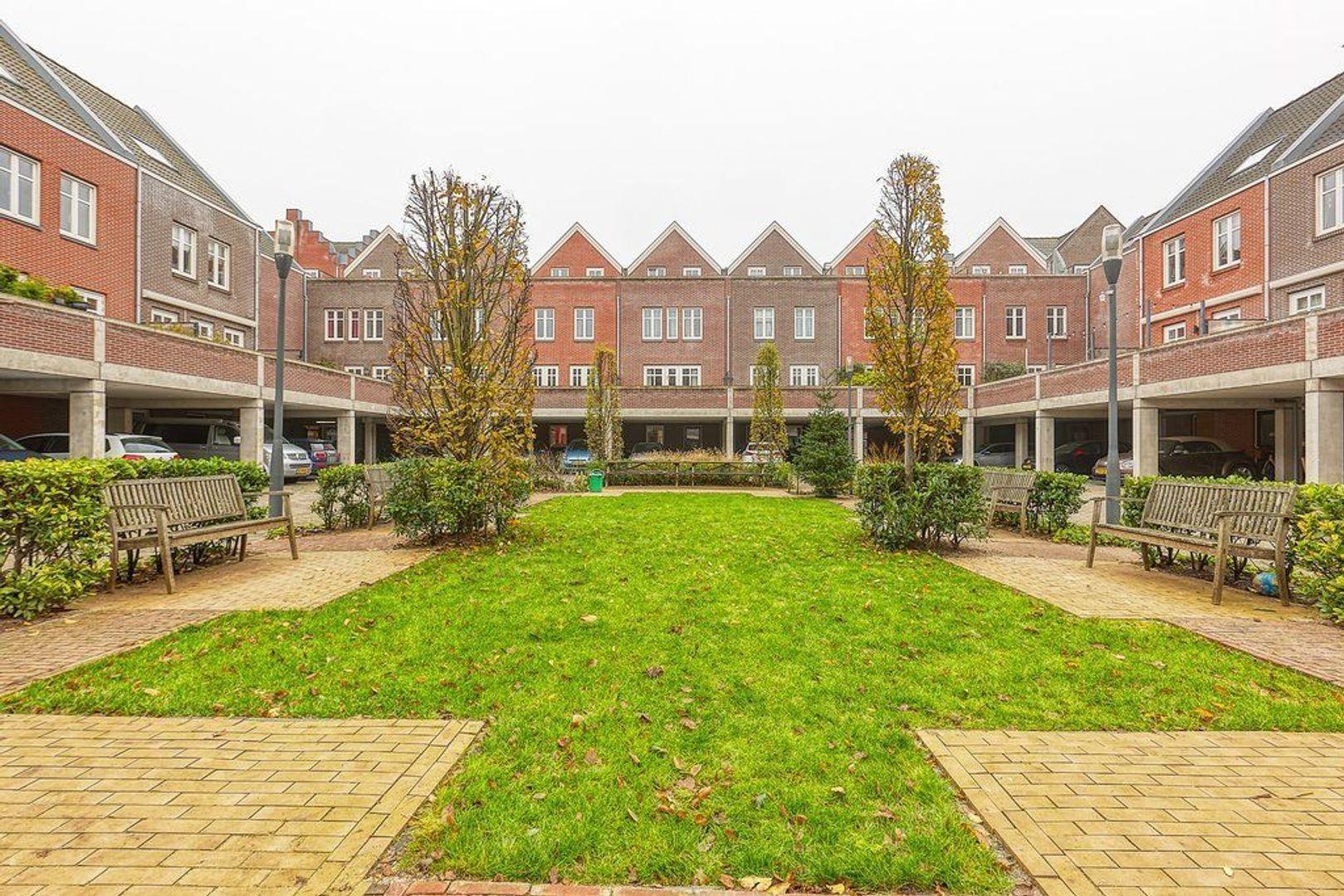 Adriaan Vlackstraat, Den Haag foto-12 blur