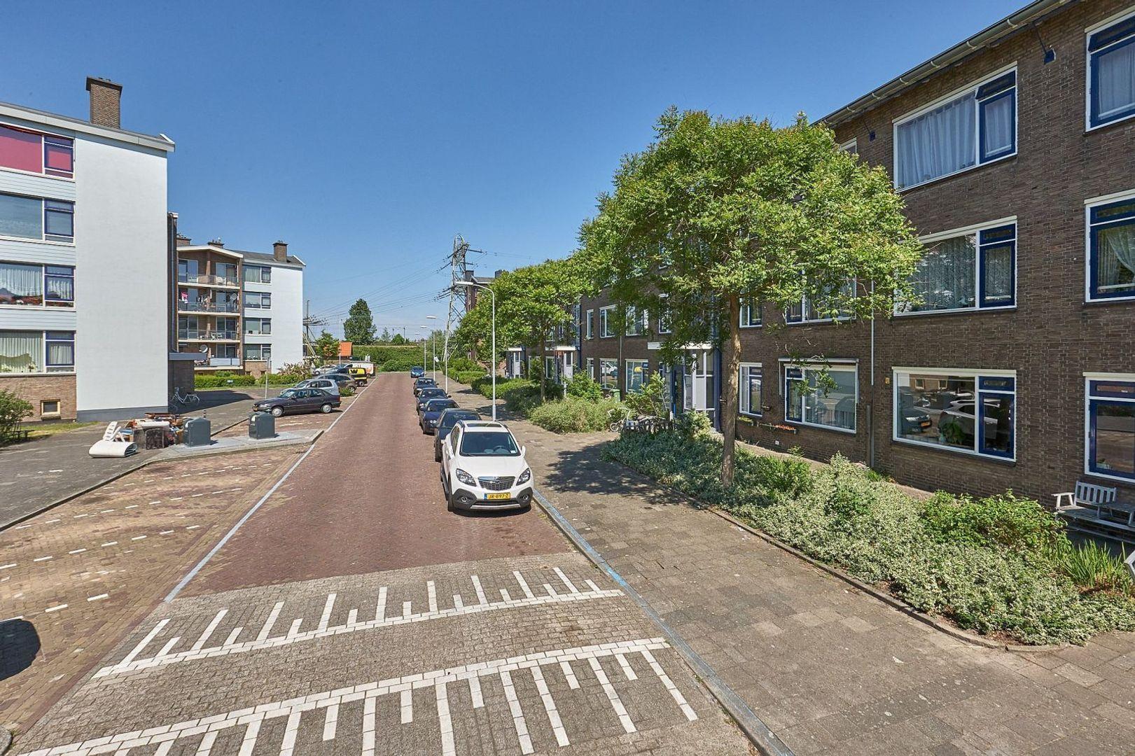 Busken Huetlaan, Voorburg foto-19 blur