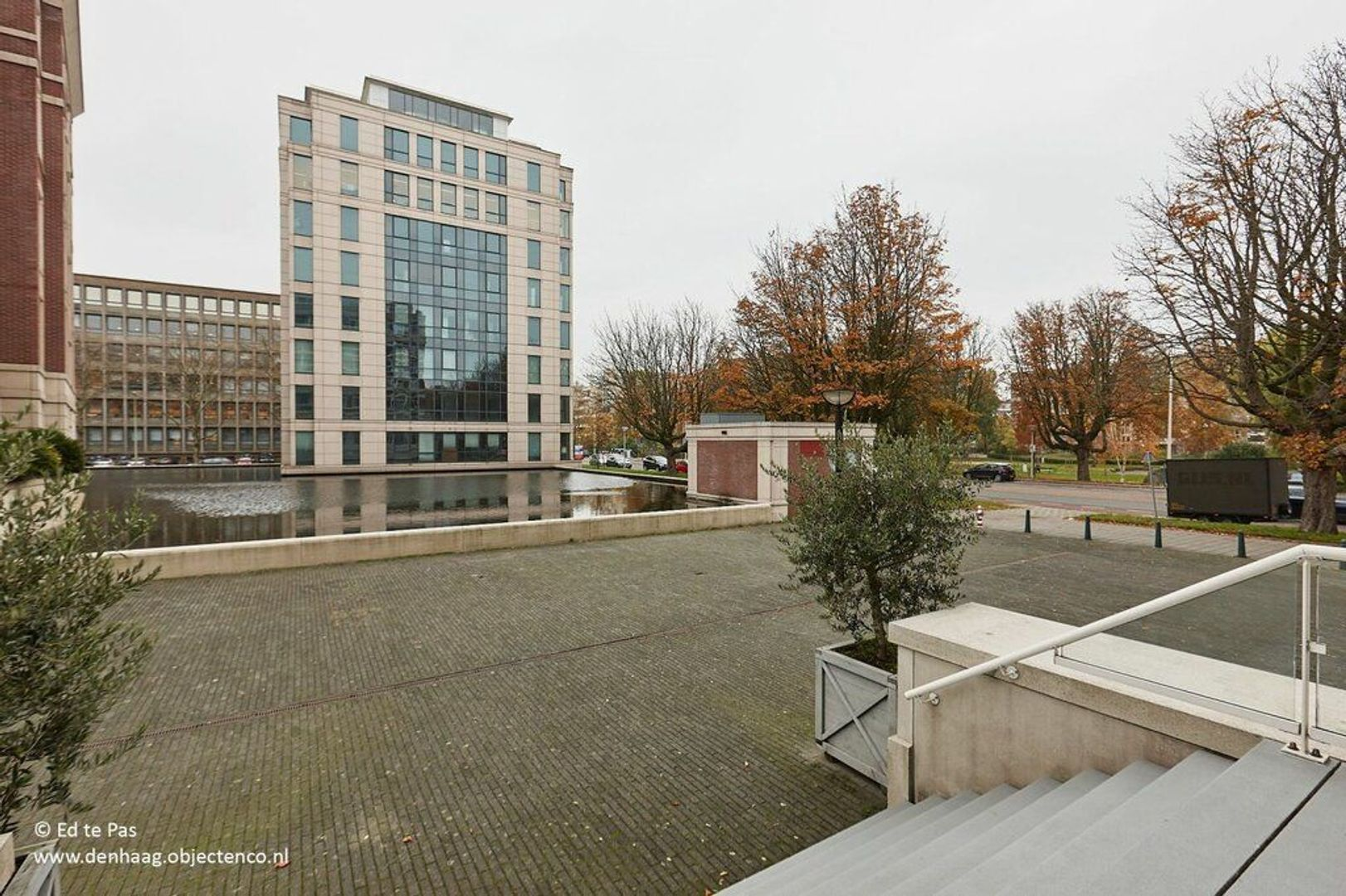 Burgemeester De Monchyplein, Den Haag foto-25 blur