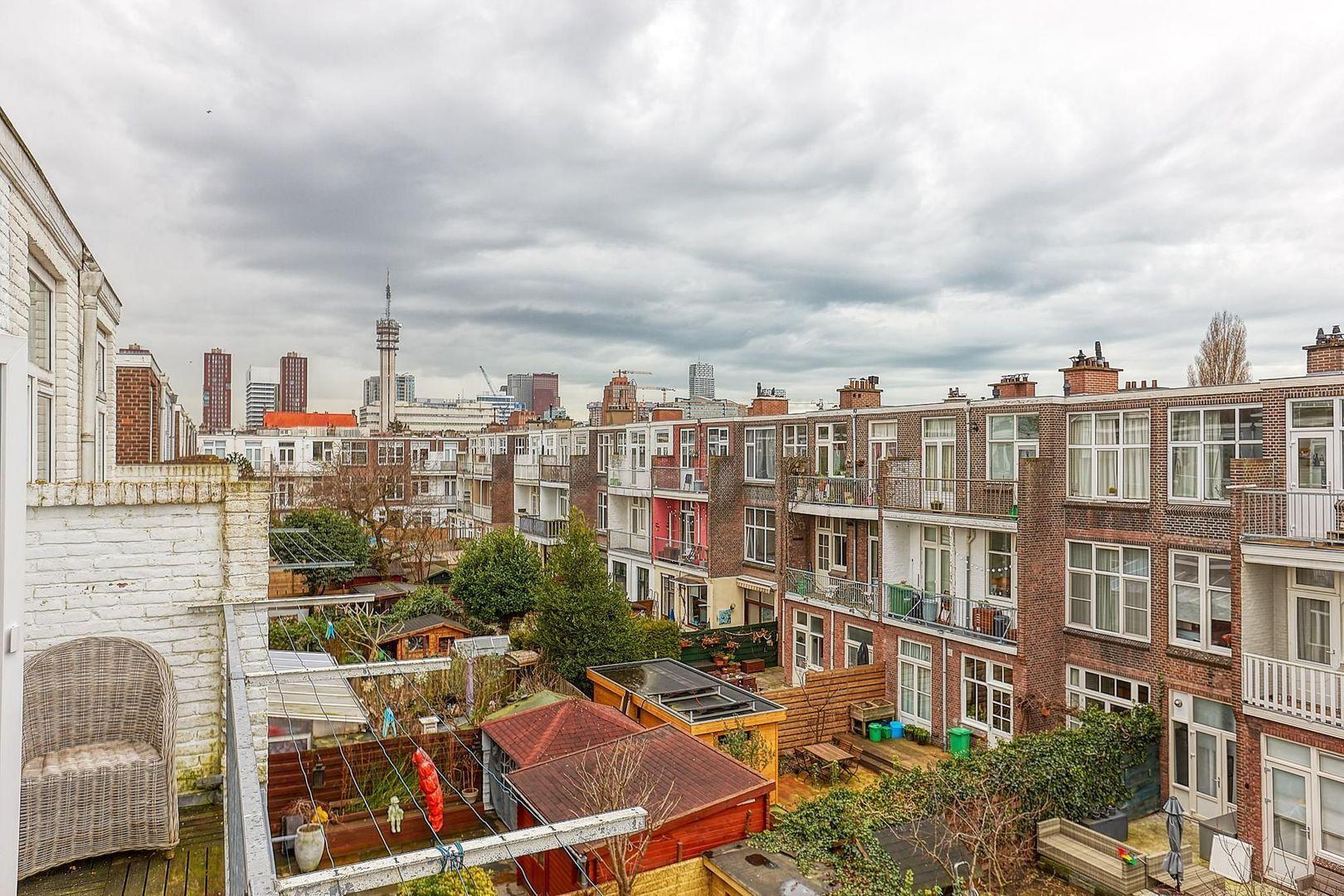 Maystraat, Den Haag foto-9 blur