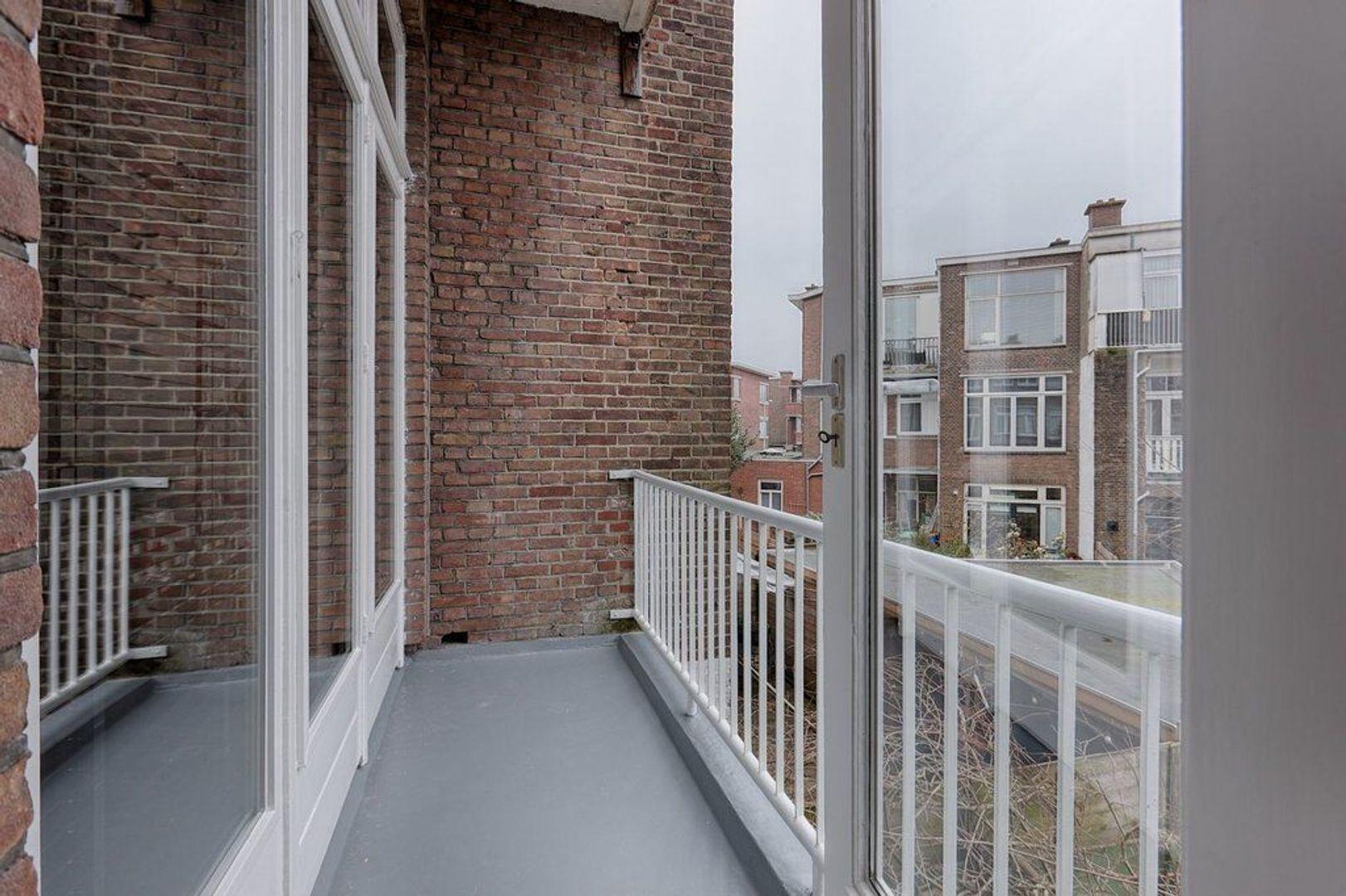 Stuyvesantplein, Den Haag foto-7 blur