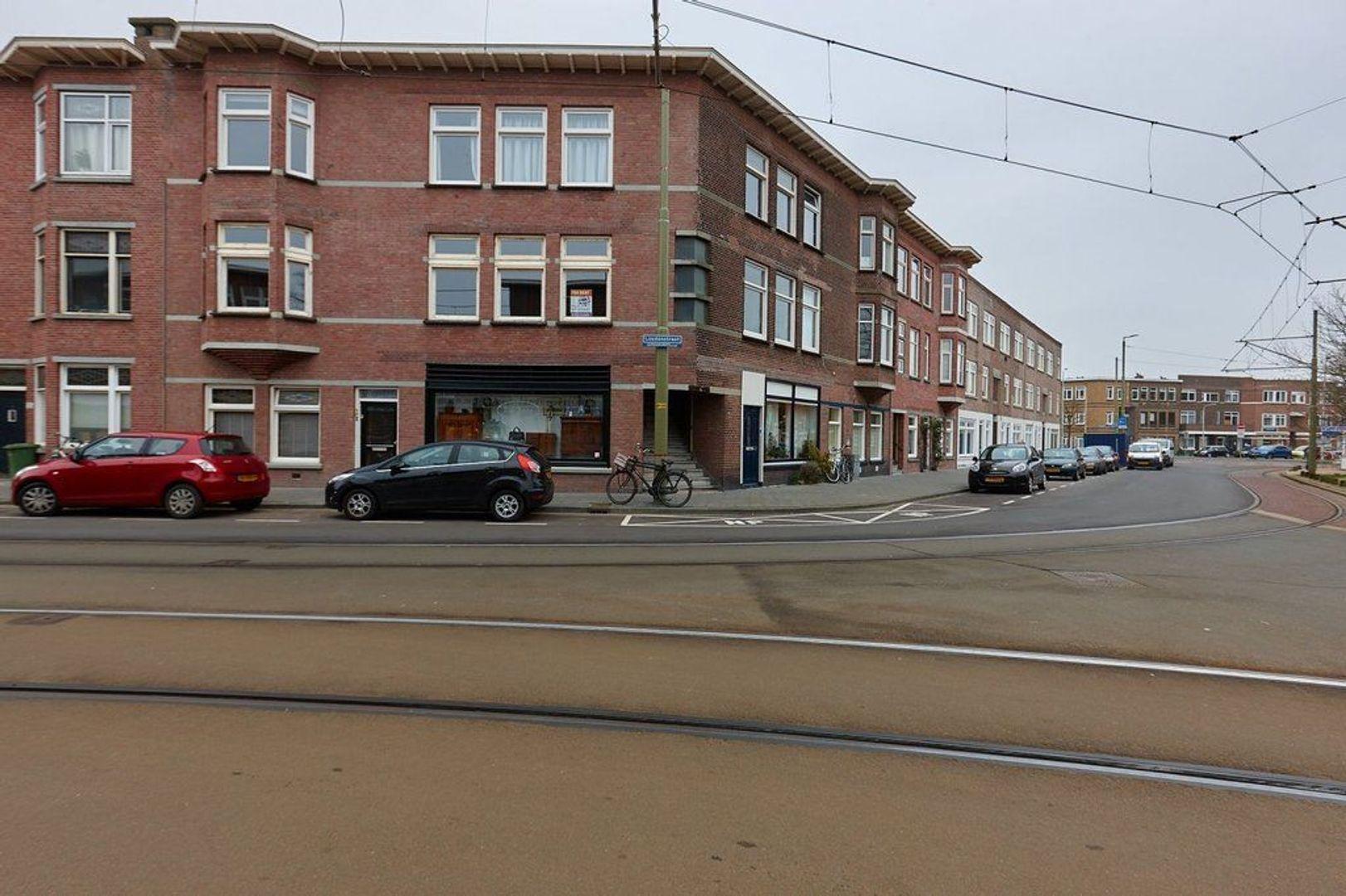 Stuyvesantplein, Den Haag foto-20 blur
