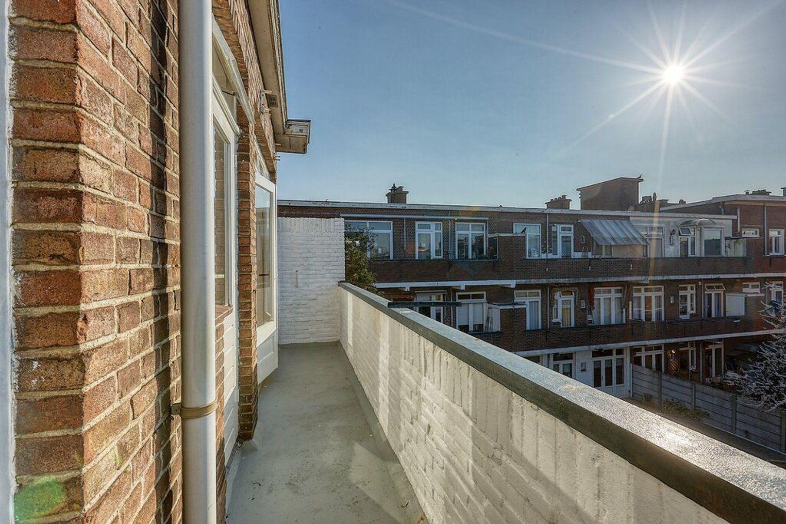 Ermelostraat, Den Haag foto-8 blur
