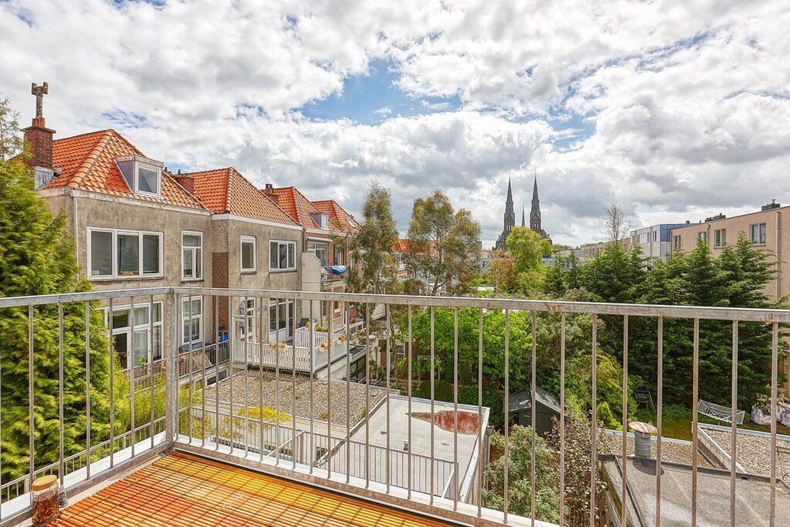 Prins Hendrikstraat, Den Haag foto-3 blur