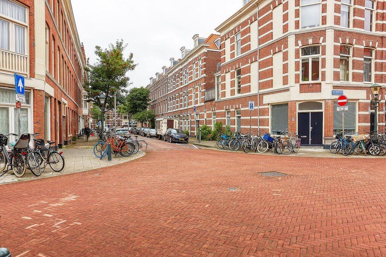Van Diemenstraat, Den Haag foto-17 blur