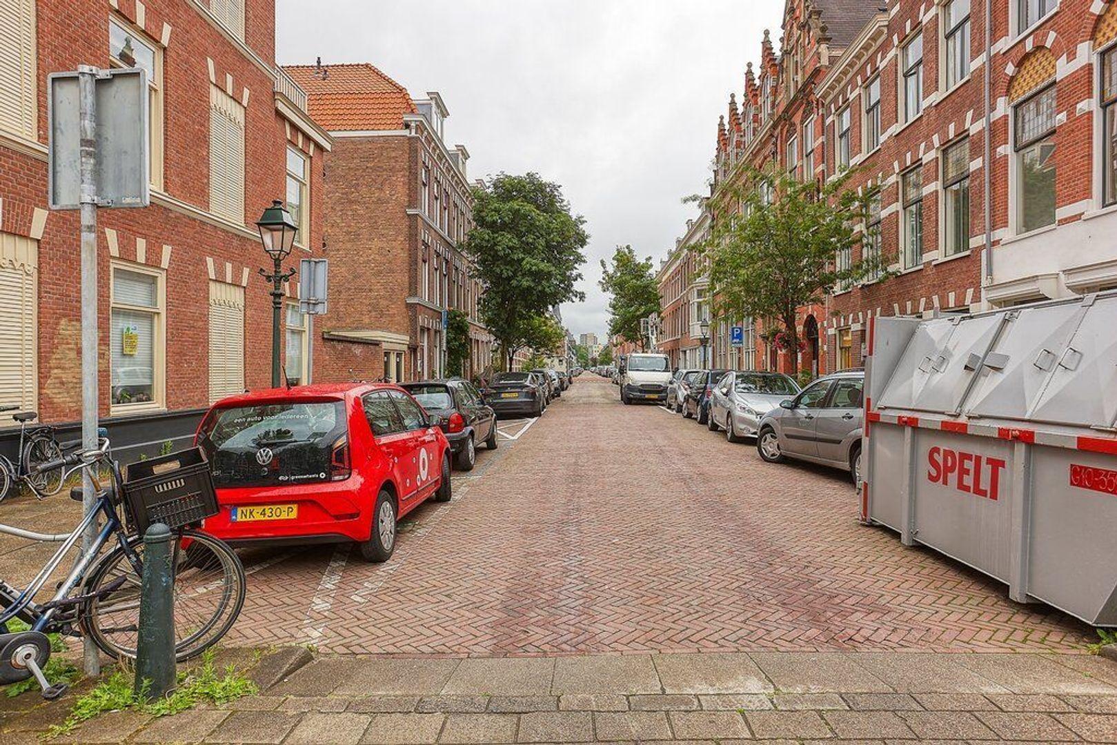 Van Diemenstraat, Den Haag foto-18 blur