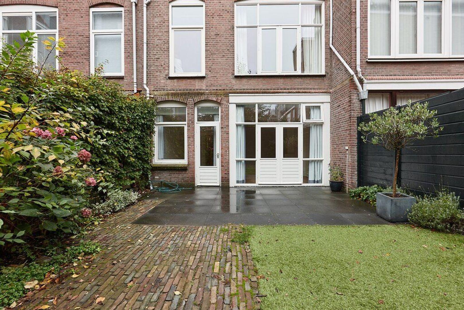 Groot Hertoginnelaan, Den Haag foto-19 blur