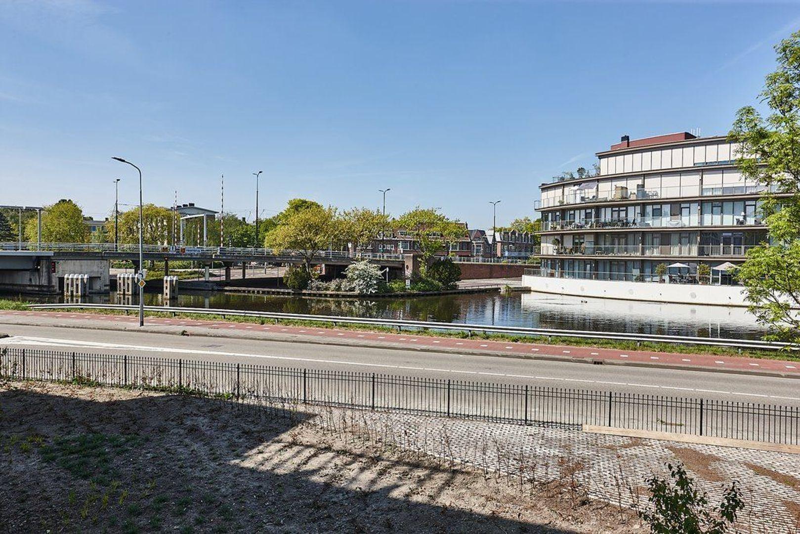Laan van Beens, Rijswijk foto-16 blur