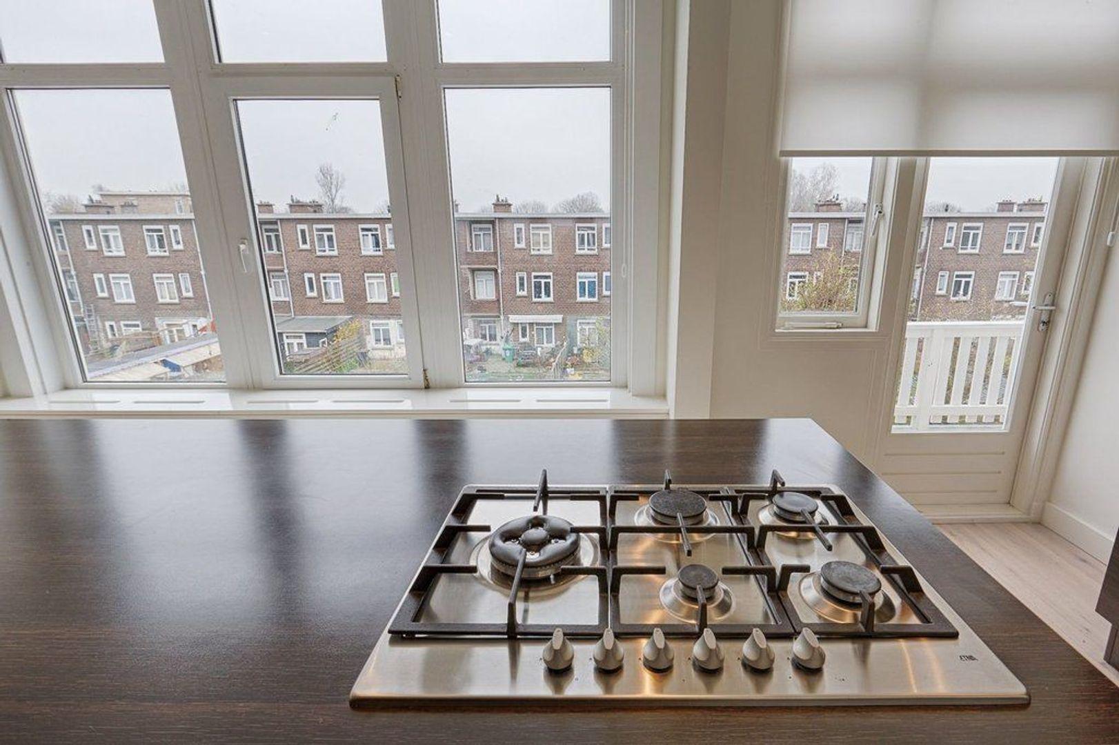 Van Heutszstraat, Den Haag foto-7 blur