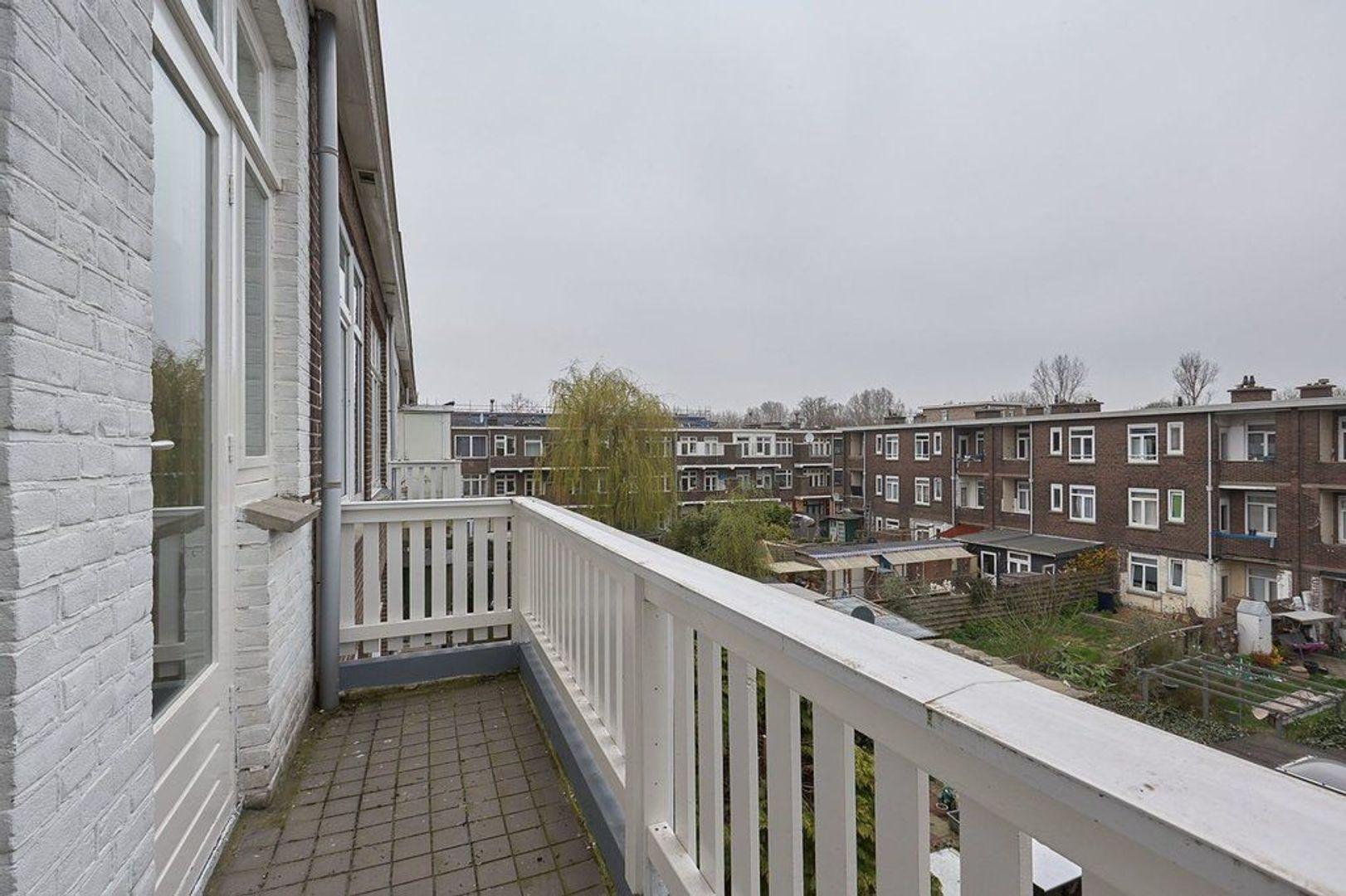 Van Heutszstraat, Den Haag foto-9 blur