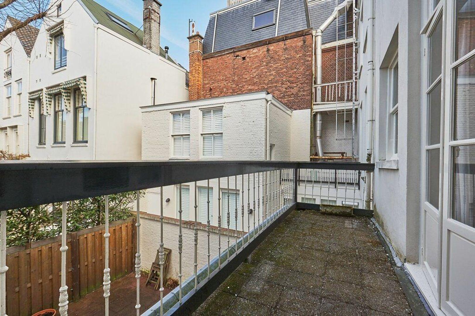 Kazernestraat, Den Haag foto-9 blur