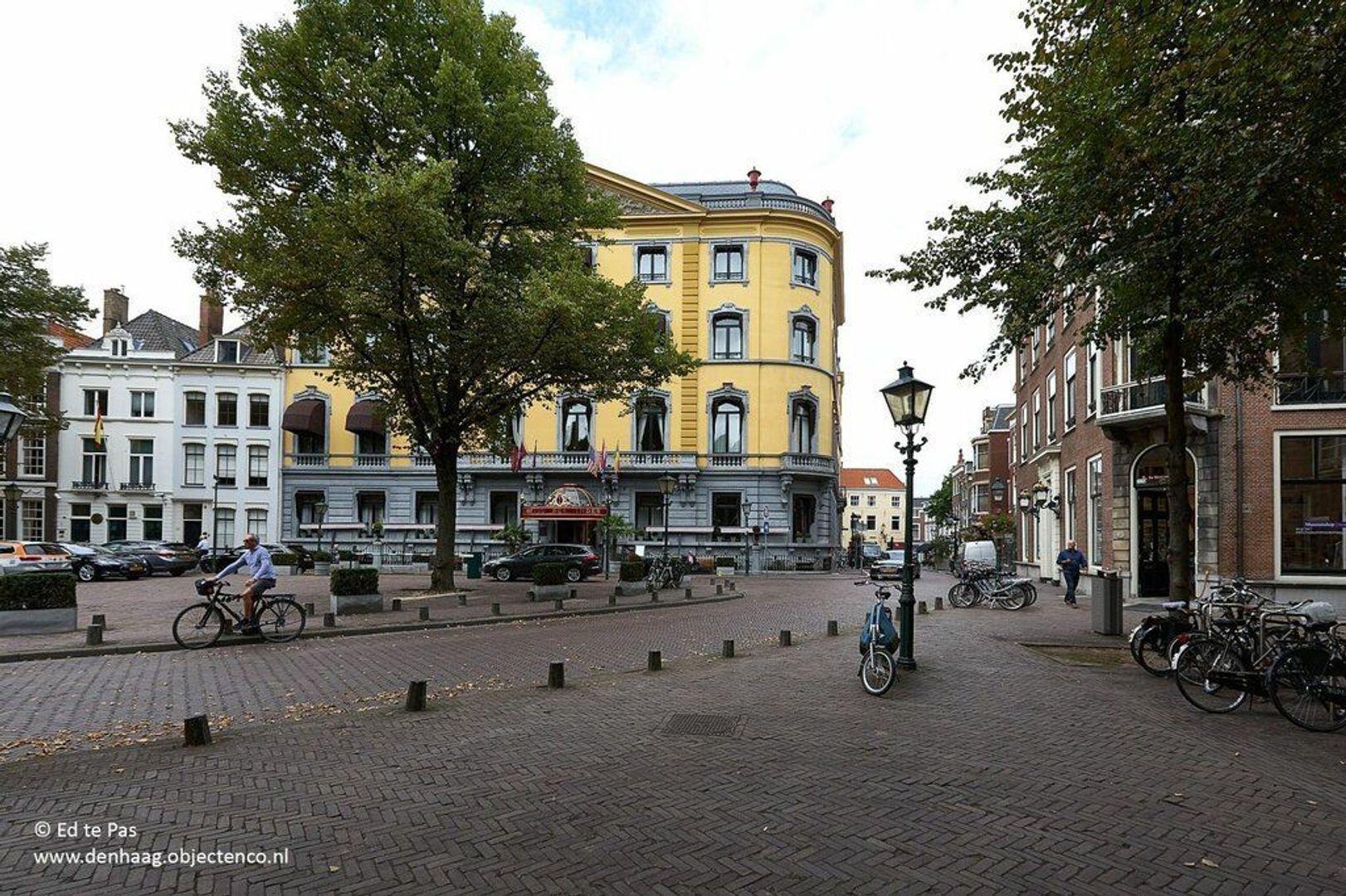 Kazernestraat, Den Haag foto-30 blur