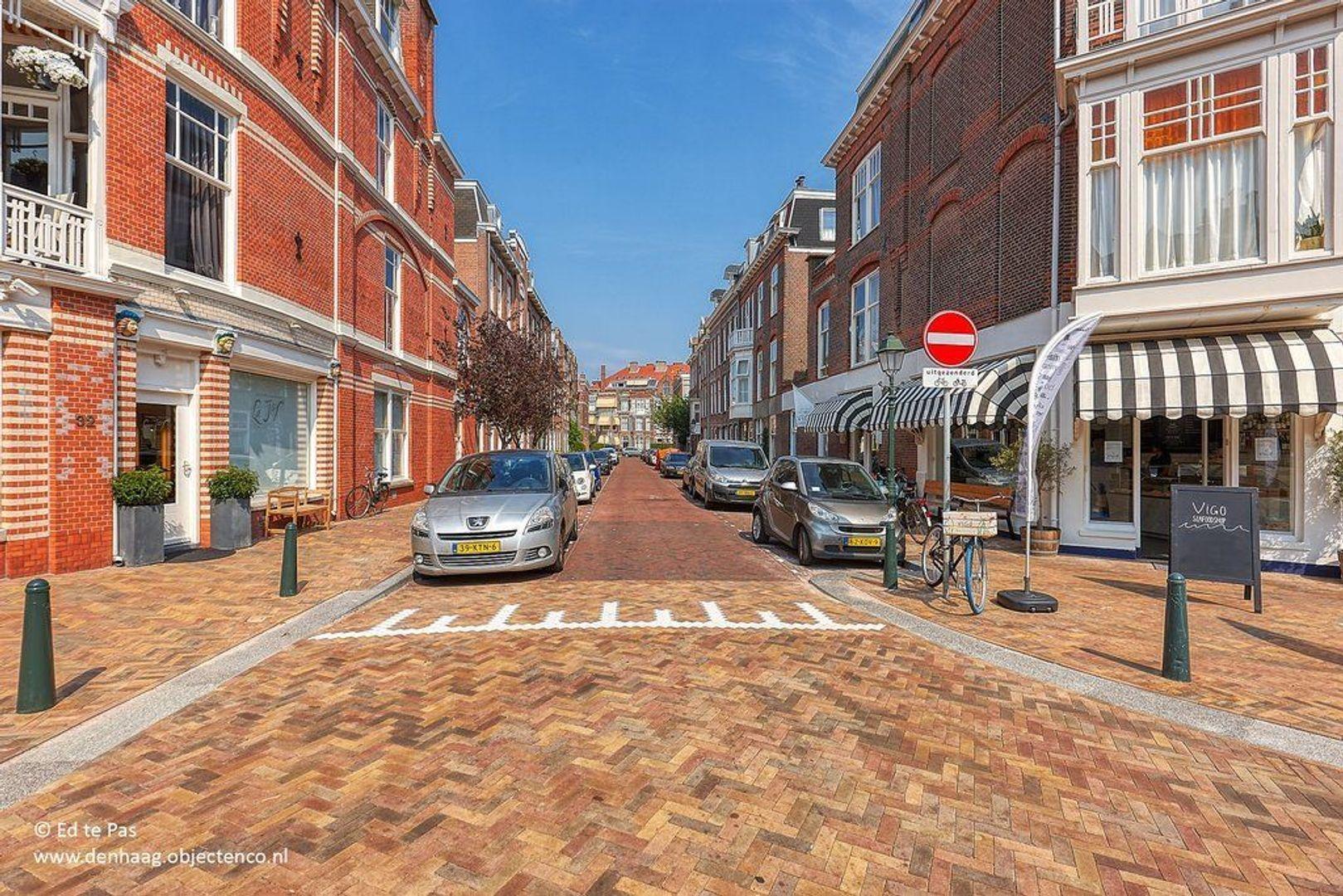 Van Loostraat, Den Haag foto-20 blur
