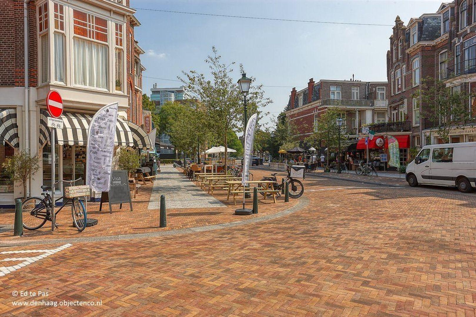 Van Loostraat, Den Haag foto-21 blur