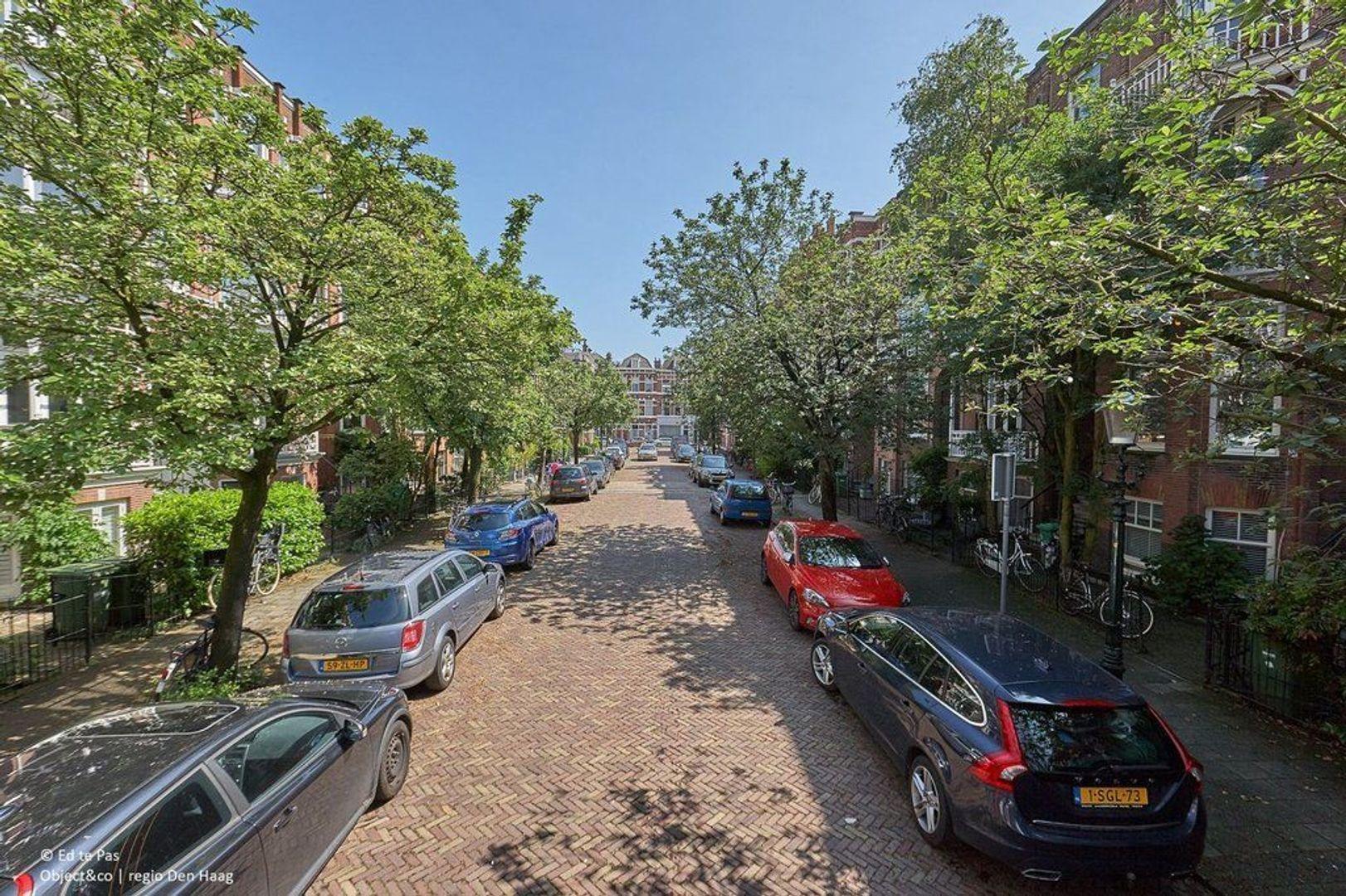 Gerard Reijnststraat, Den Haag foto-24 blur
