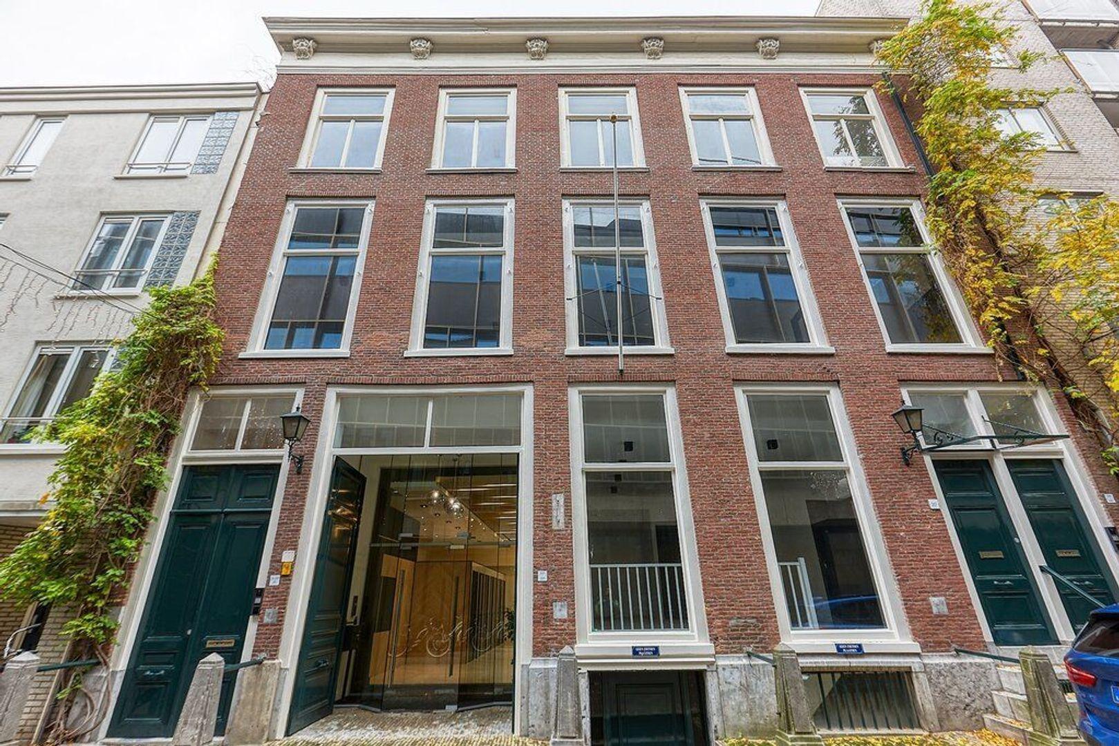 Korte Houtstraat, Den Haag foto-2 blur