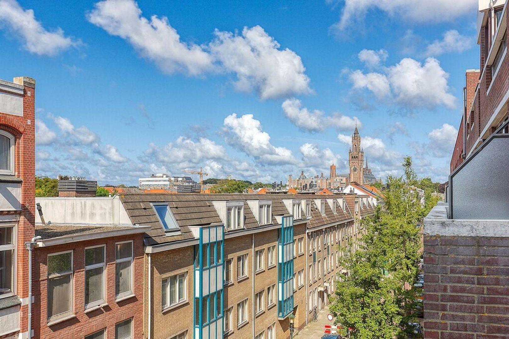 Piet Heinplein, Den Haag foto-18 blur