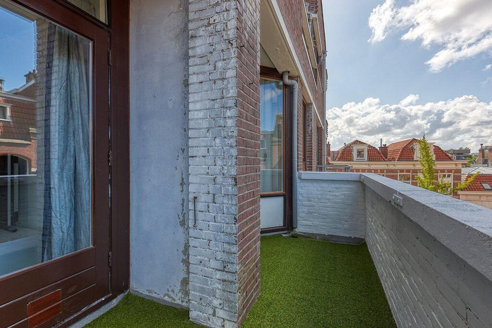 Piet Heinplein, Den Haag foto-19 blur