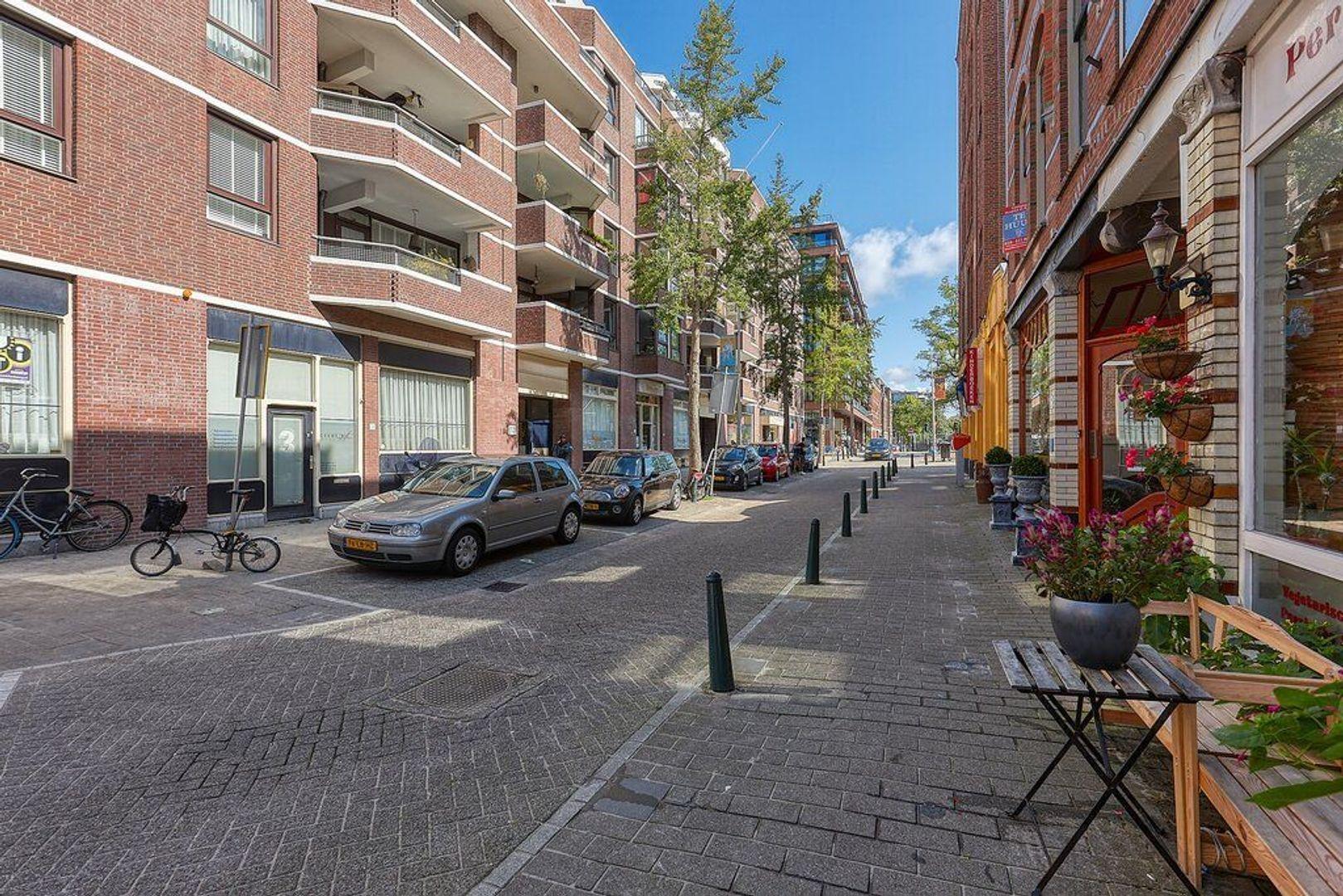 Piet Heinplein, Den Haag foto-31 blur