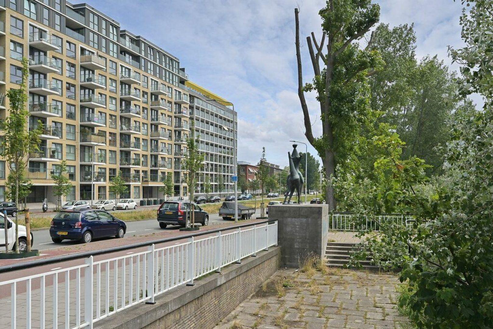 Verhulstplein, Den Haag foto-4 blur