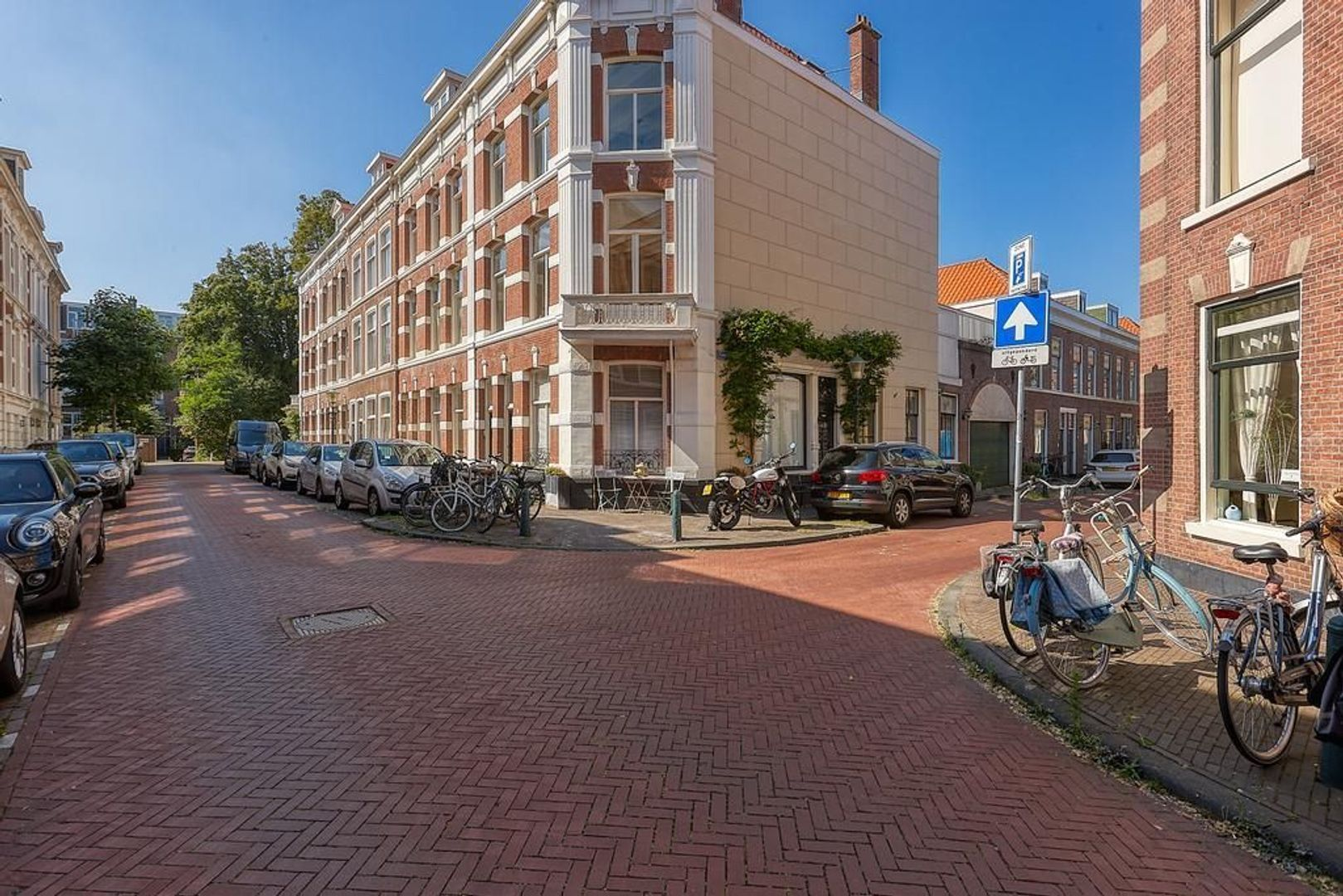 Cantaloupenburg, Den Haag foto-22 blur