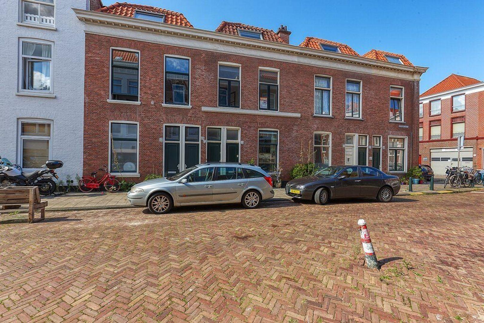 Roggeveenstraat, Den Haag foto-17 blur