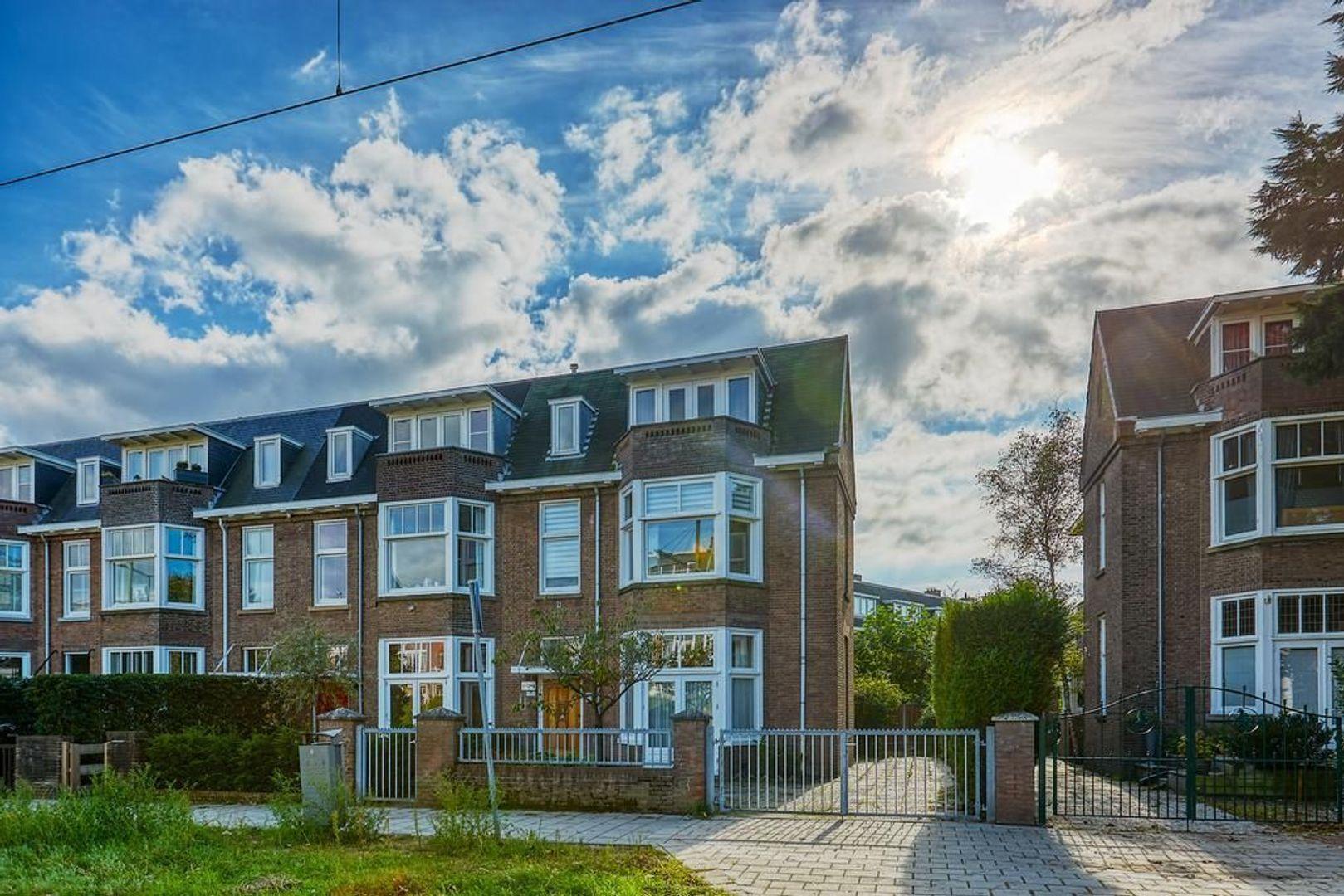 Nieuwe Parklaan 128, Den Haag foto-0 blur