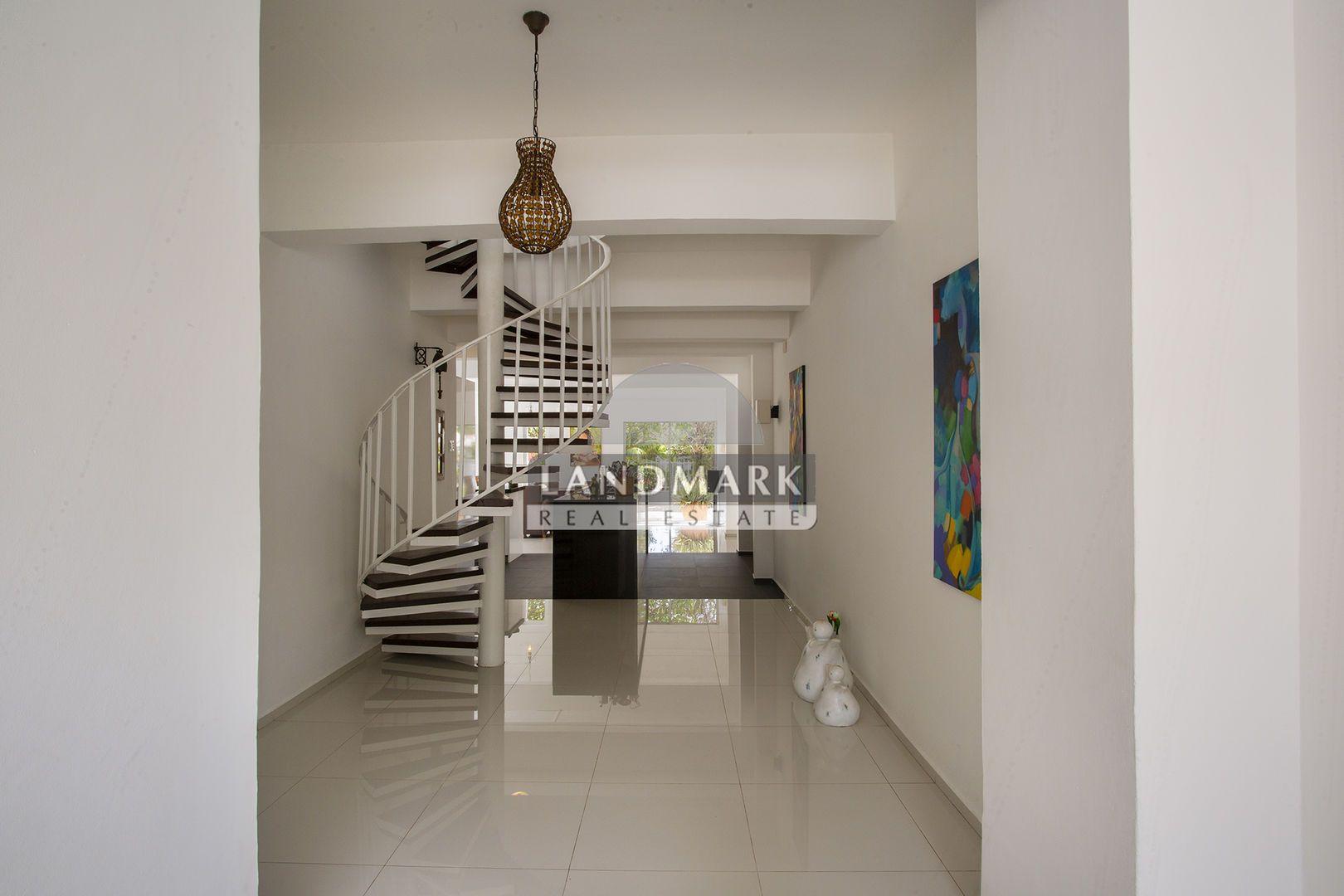 Kaminda Aguila 9, Damacor foto-34