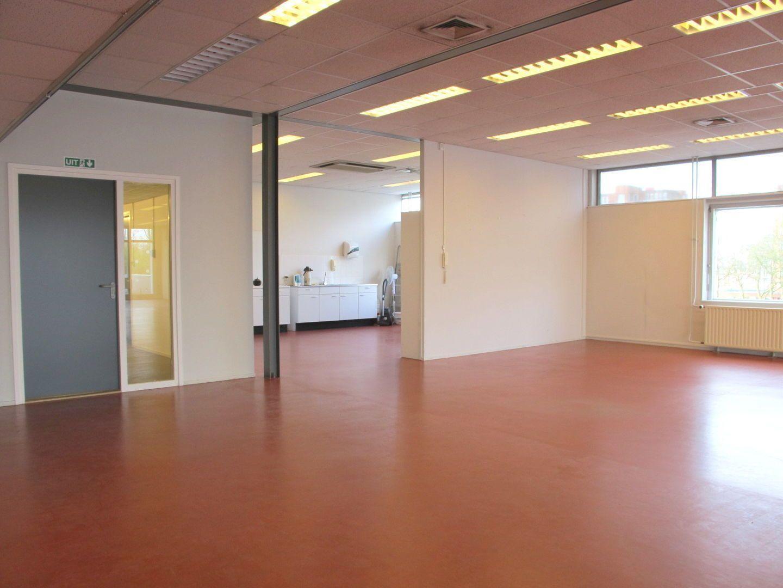 Kluizenaarsbocht 6 2E 320M2, Delft foto-5