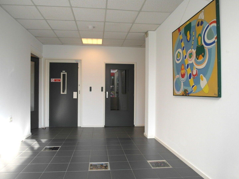 Kluizenaarsbocht 6 2E 320M2, Delft foto-32