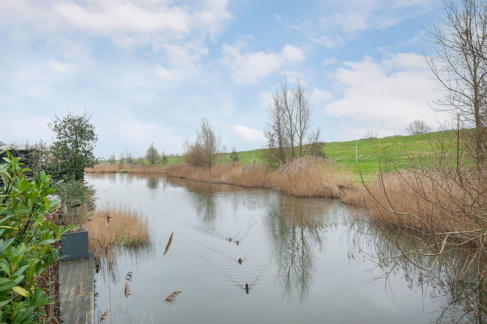Augustijnenlaan 5, Alphen aan den Rijn foto-