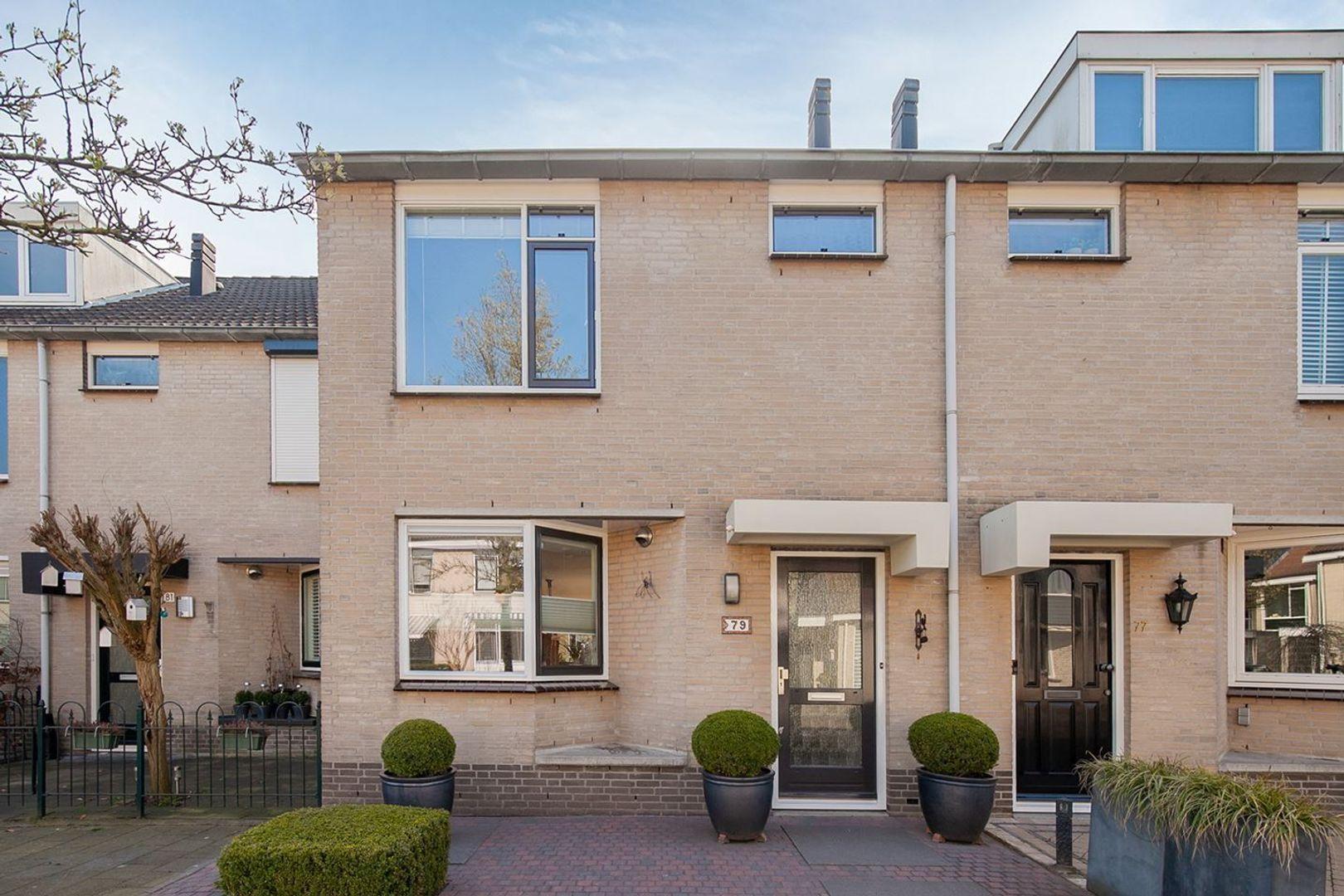 Mozartstraat, Barendrecht foto-0