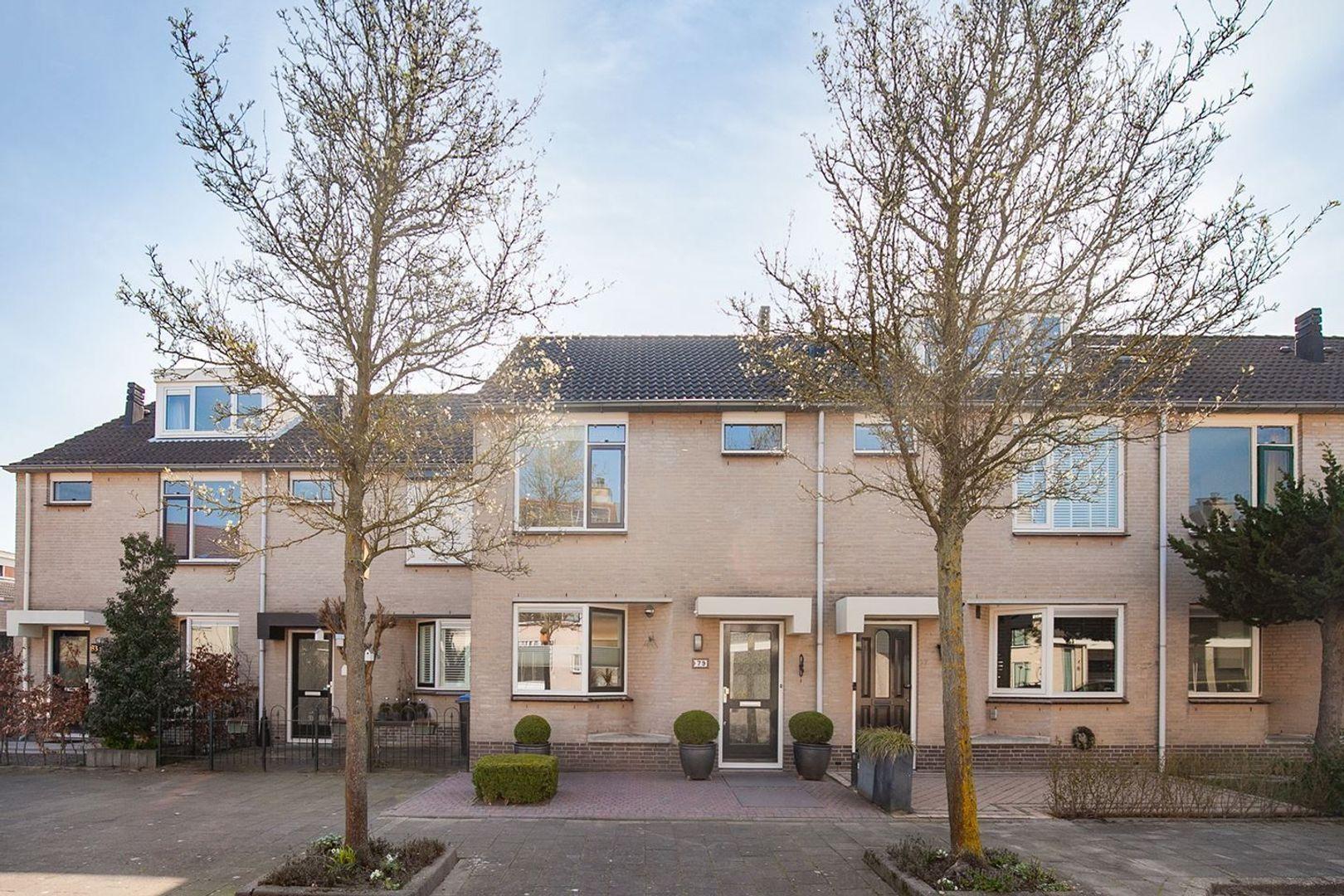 Mozartstraat, Barendrecht foto-32